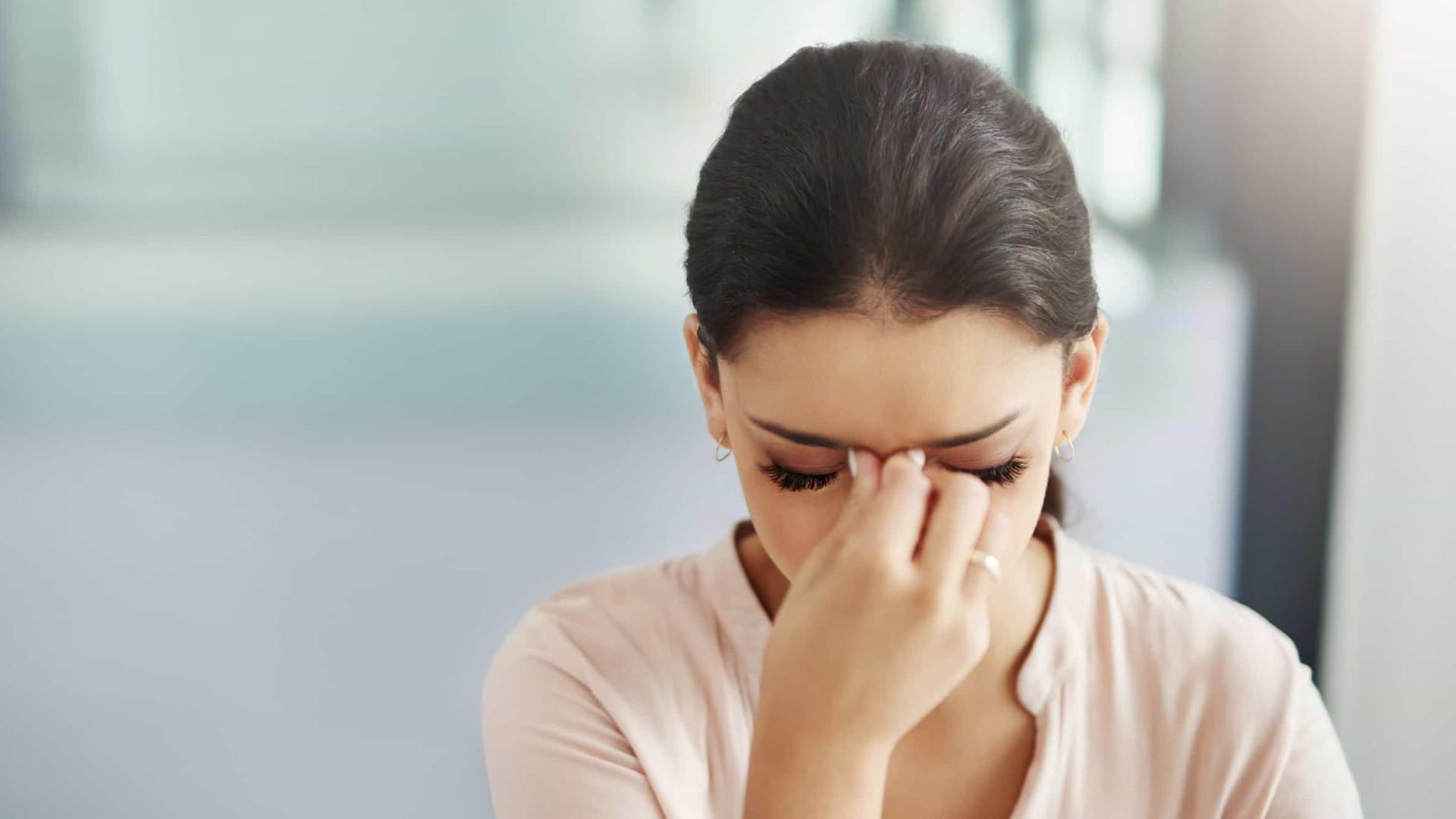 Saiba qual é o óleo essencial que alivia as dores menstruais