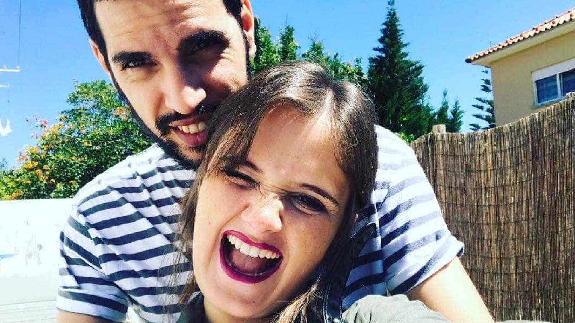 Carolina Deslandes surpreendida à distância pelo namorado