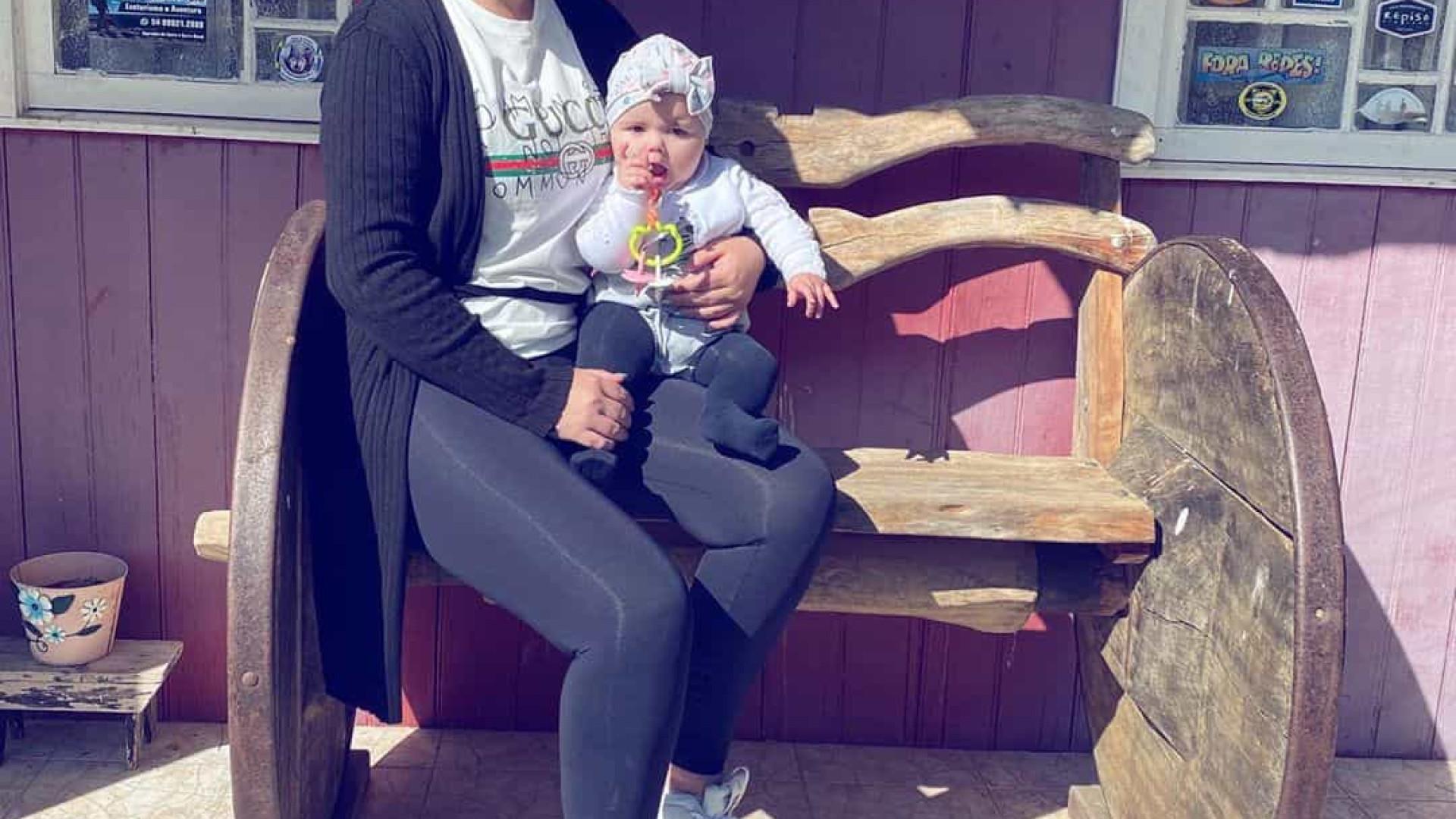Filha de Katia Aveiro completa sete meses de vida