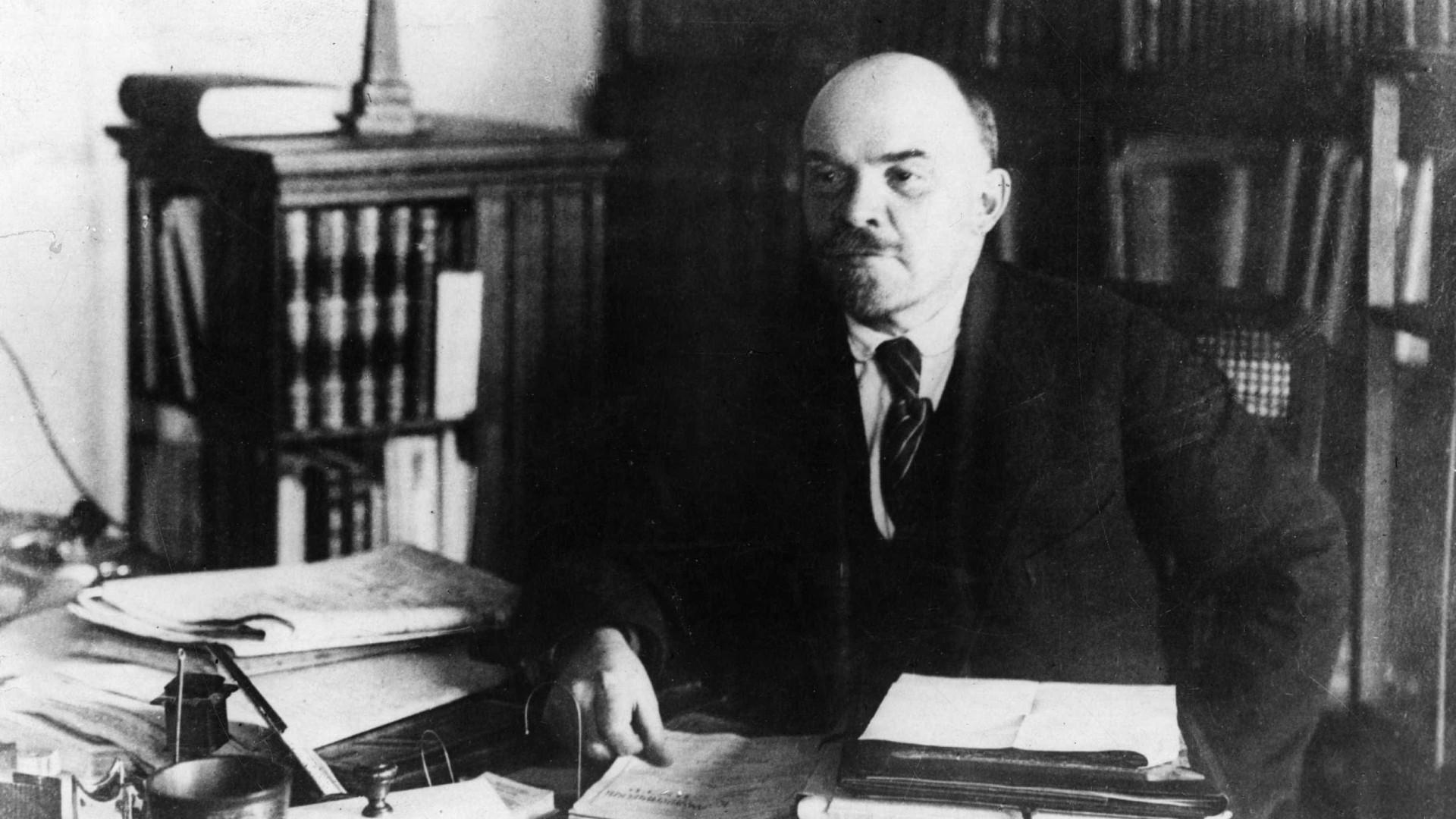 Português lança livro sobre Lenine para assinalar 150º aniversário