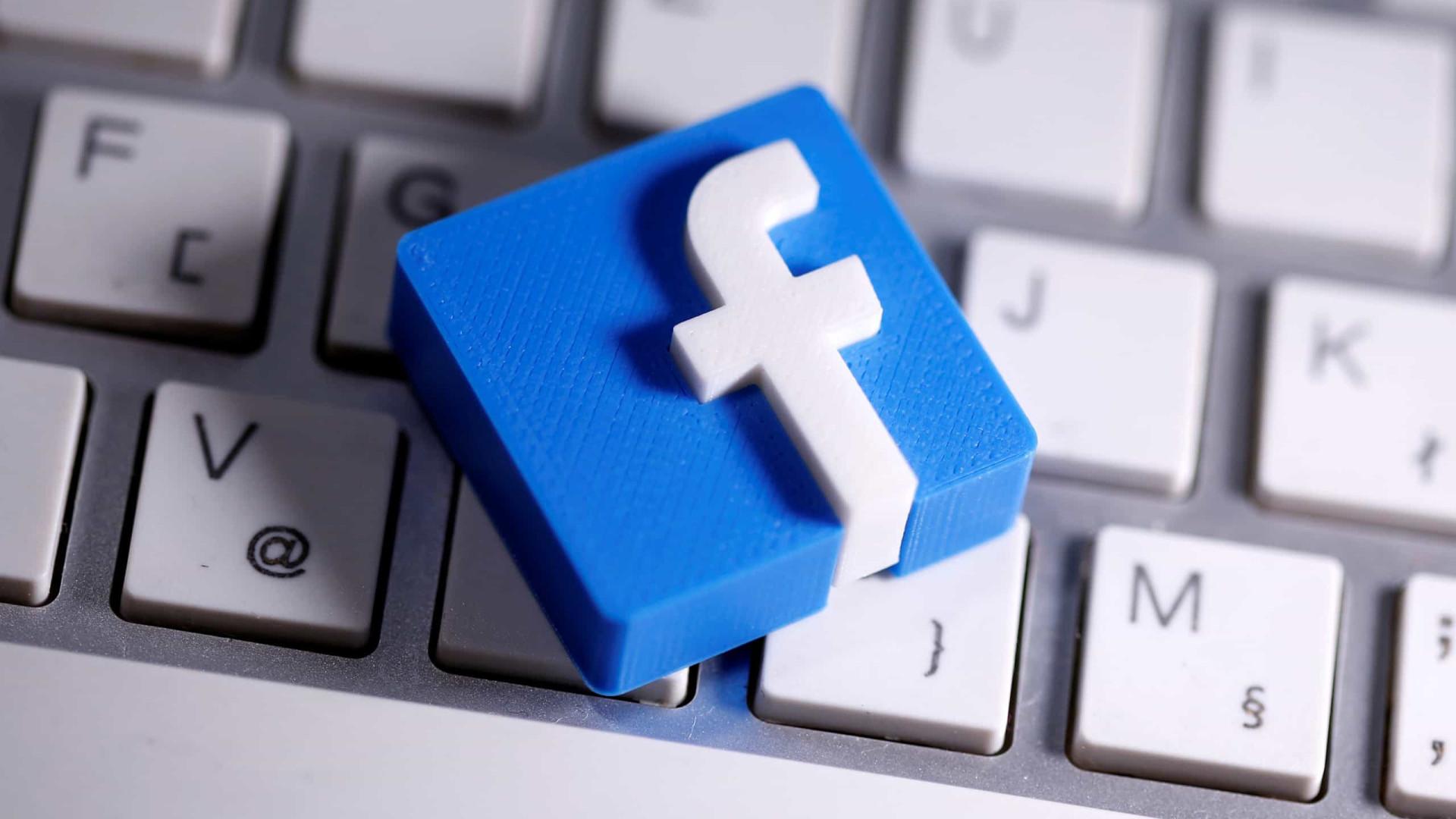 Moderadores do Facebook pressionados a voltarem aos escritórios