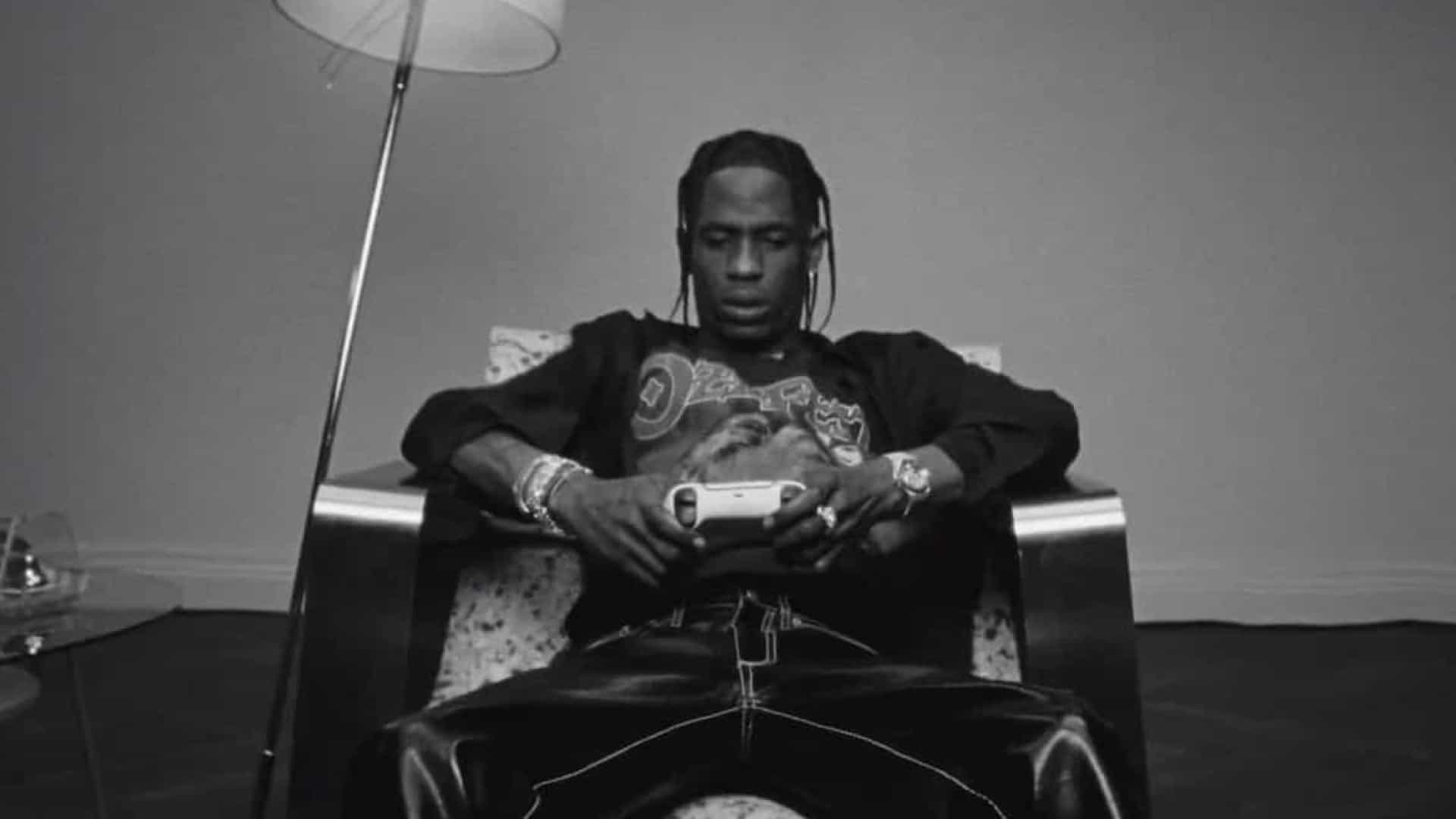 Sony aliou-se ao rapper Travis Scott para promover a PlayStation 5