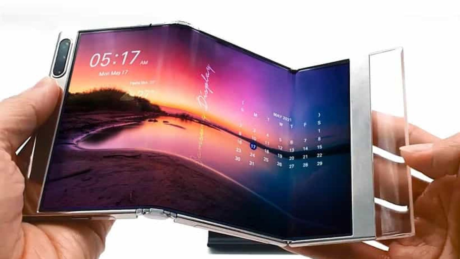 Samsung exibiu protótipos de dispositivos com ecrãs dobráveis