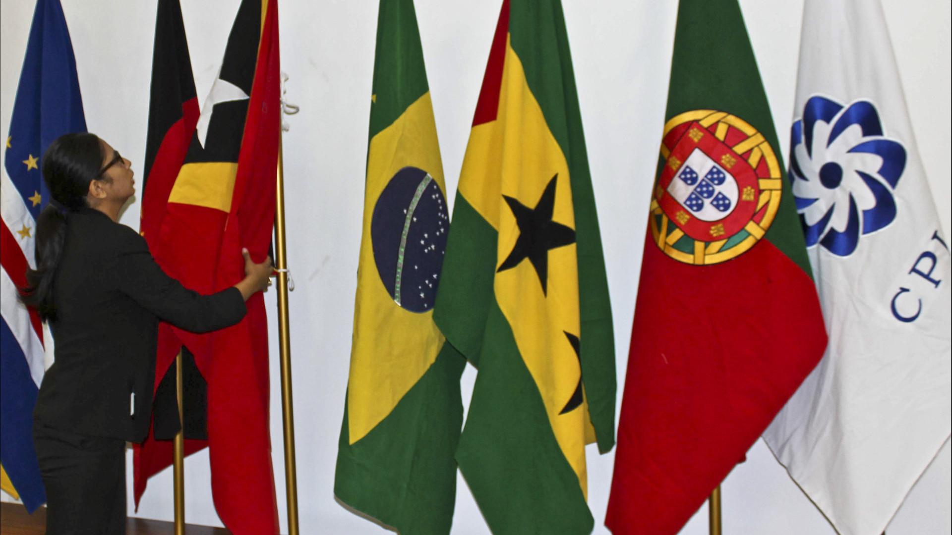 Dicionário em Moçambique e rede de escolas promovem língua portuguesa