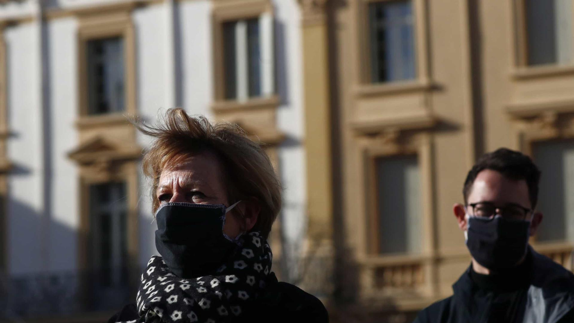 Covid-19: França mantém confinamento até 15 de dezembro