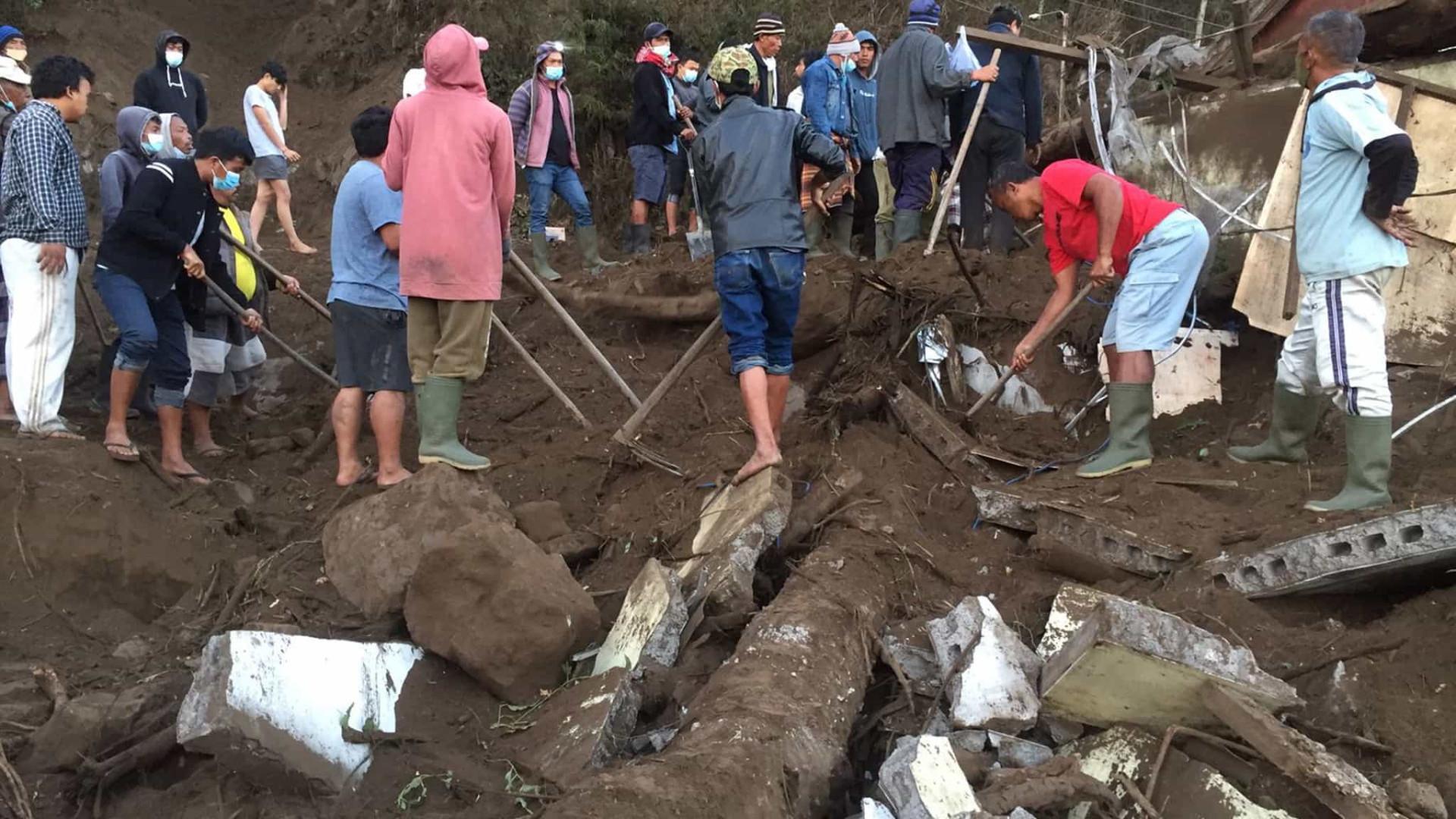 Sismo faz três mortos na ilha indonésia de Bali