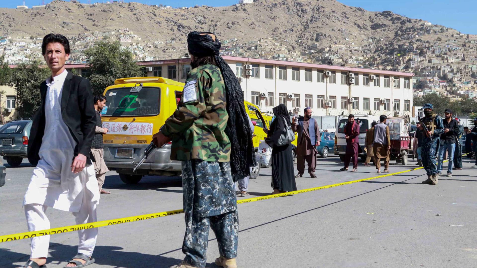 Jesuítas dizem aguardar autorização para trazer 190 afegãos para Portugal