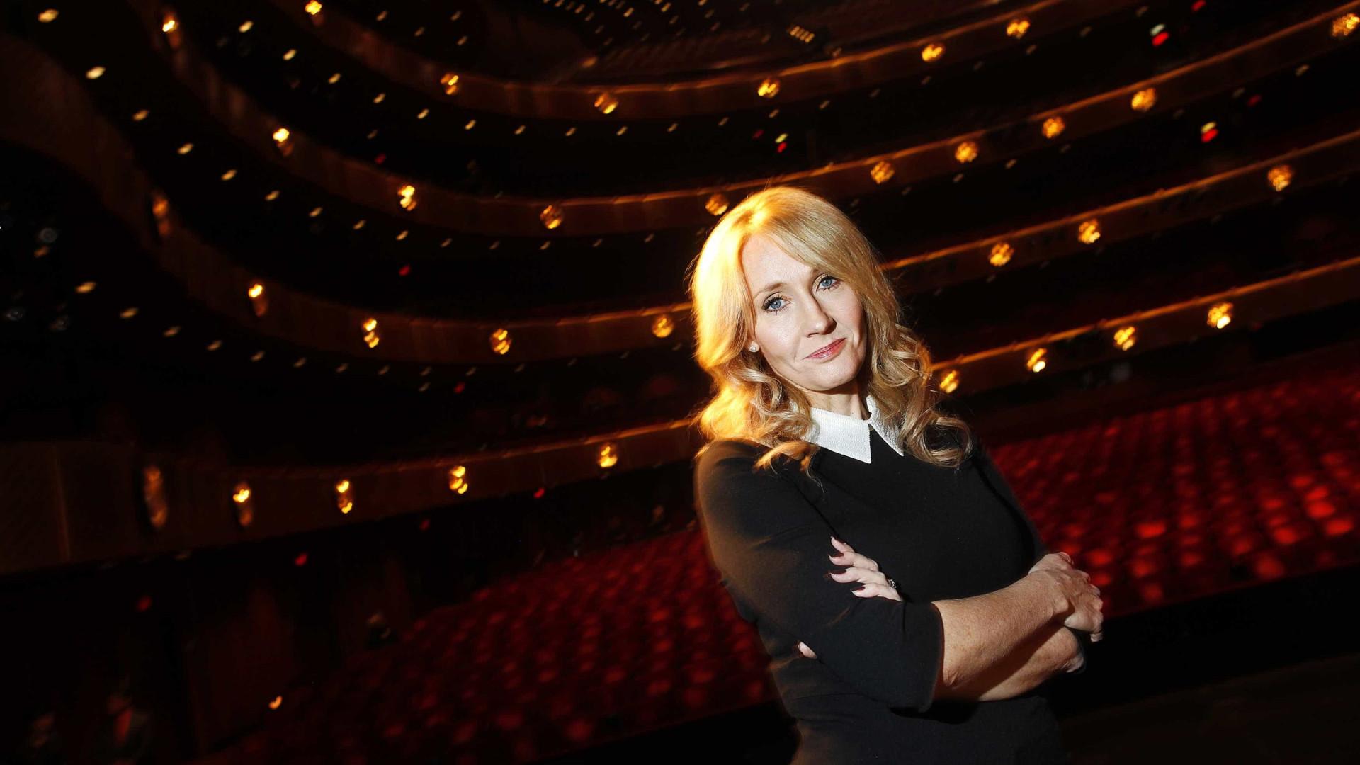 """J.K. Rowling teve sintomas de Covid-19 mas está """"totalmente recuperada"""""""