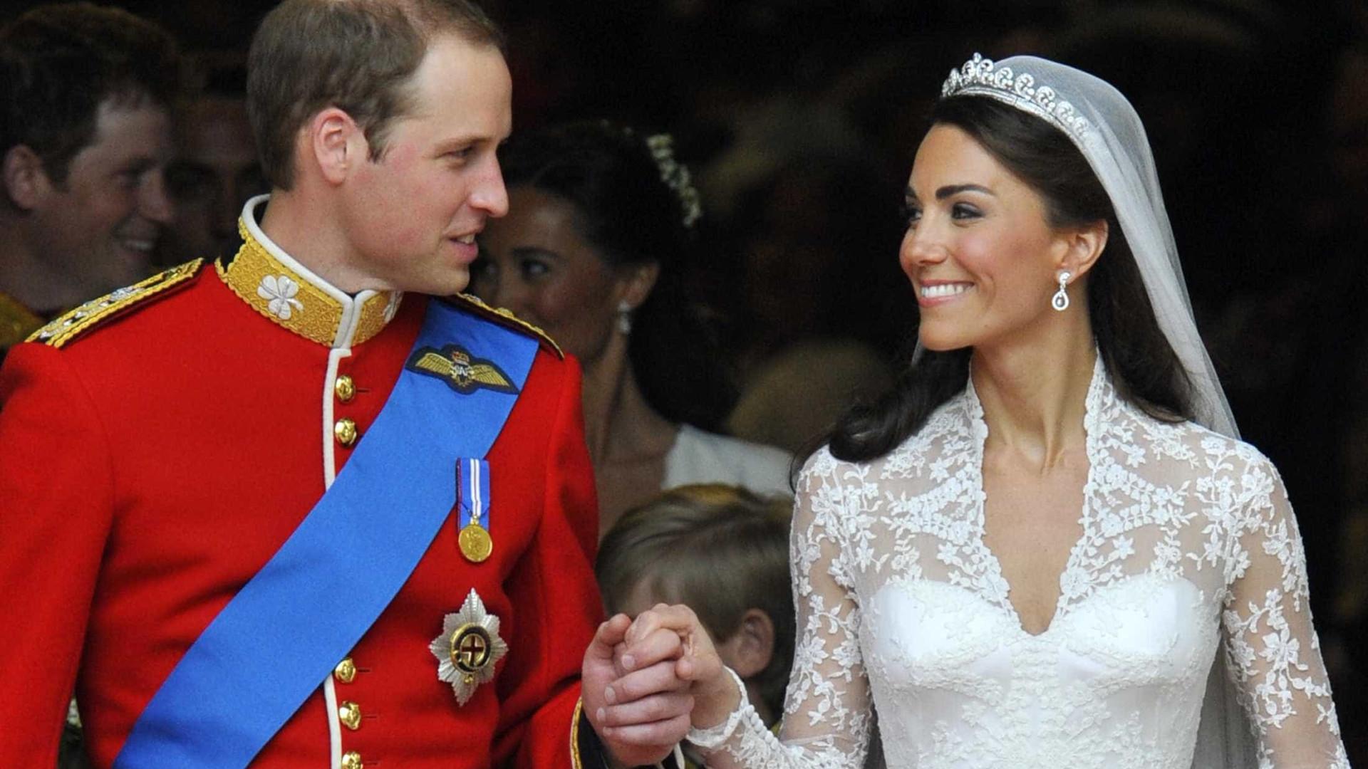 Porque é que William e Kate Middleton demoraram tanto tempo a casar?