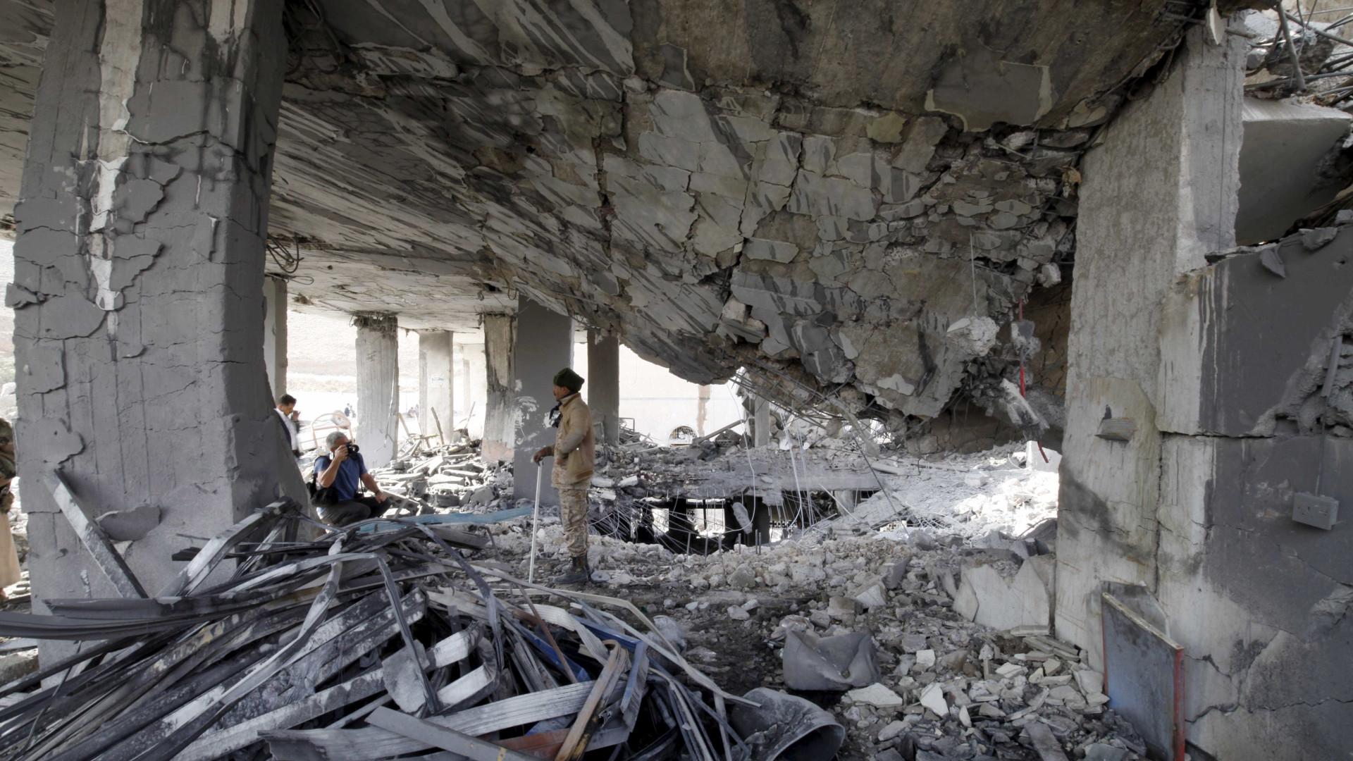 Coligação árabe diz ter matado mais de 400 rebeldes Huthis no Iémen