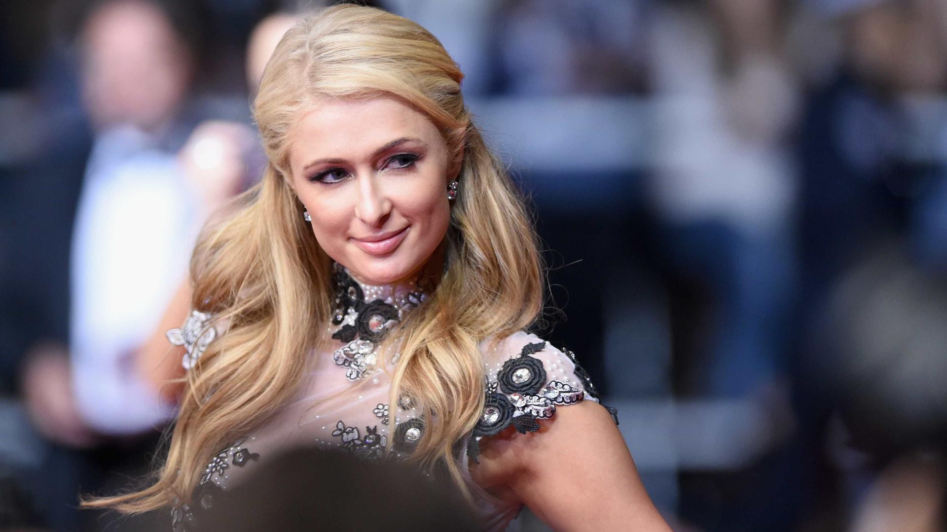 Paris Hilton explica porque desistiu de ser bilionária