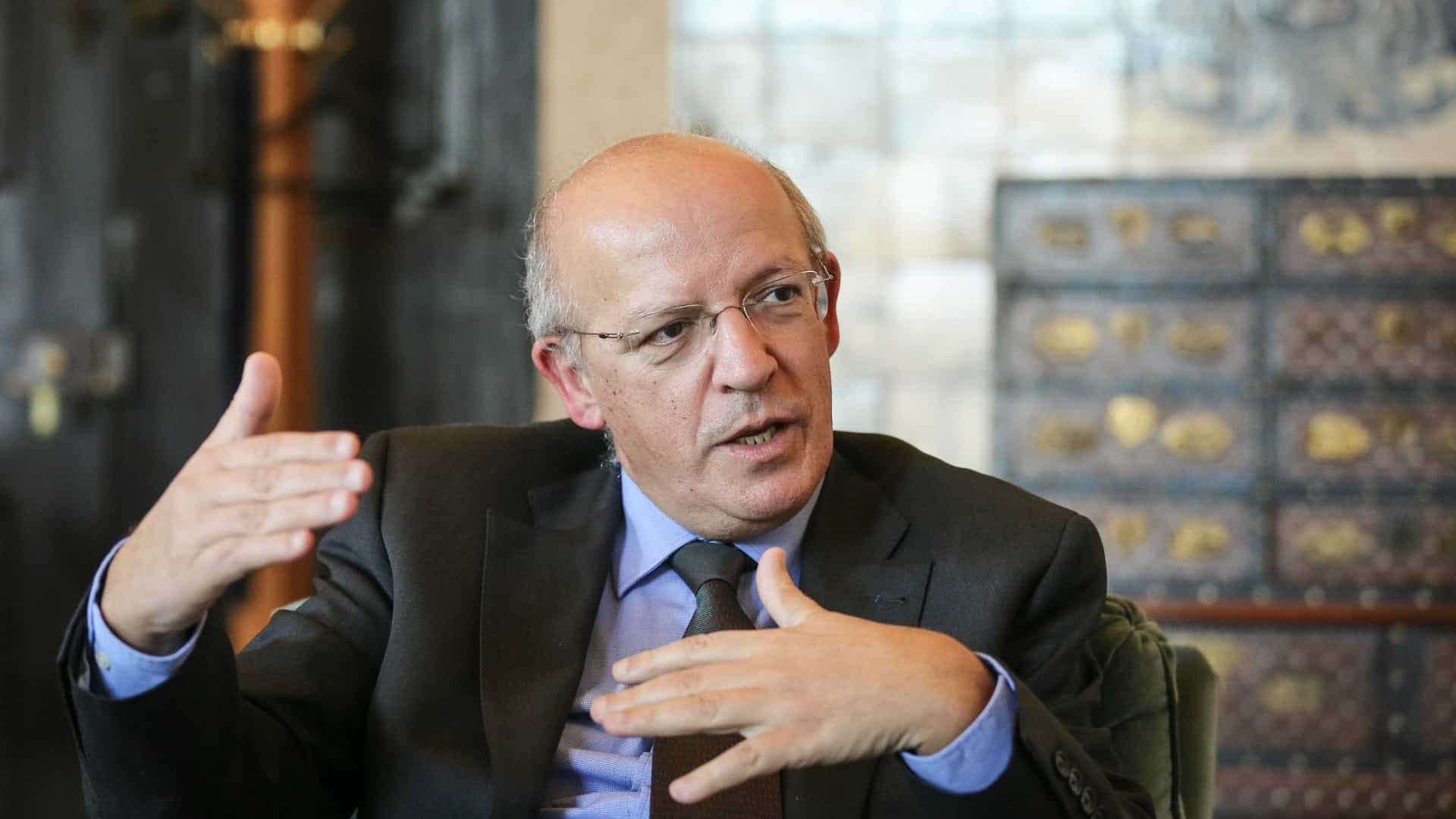 """Santos Silva """"surpreendido"""" com declarações sobre acolhimento de afegãos"""