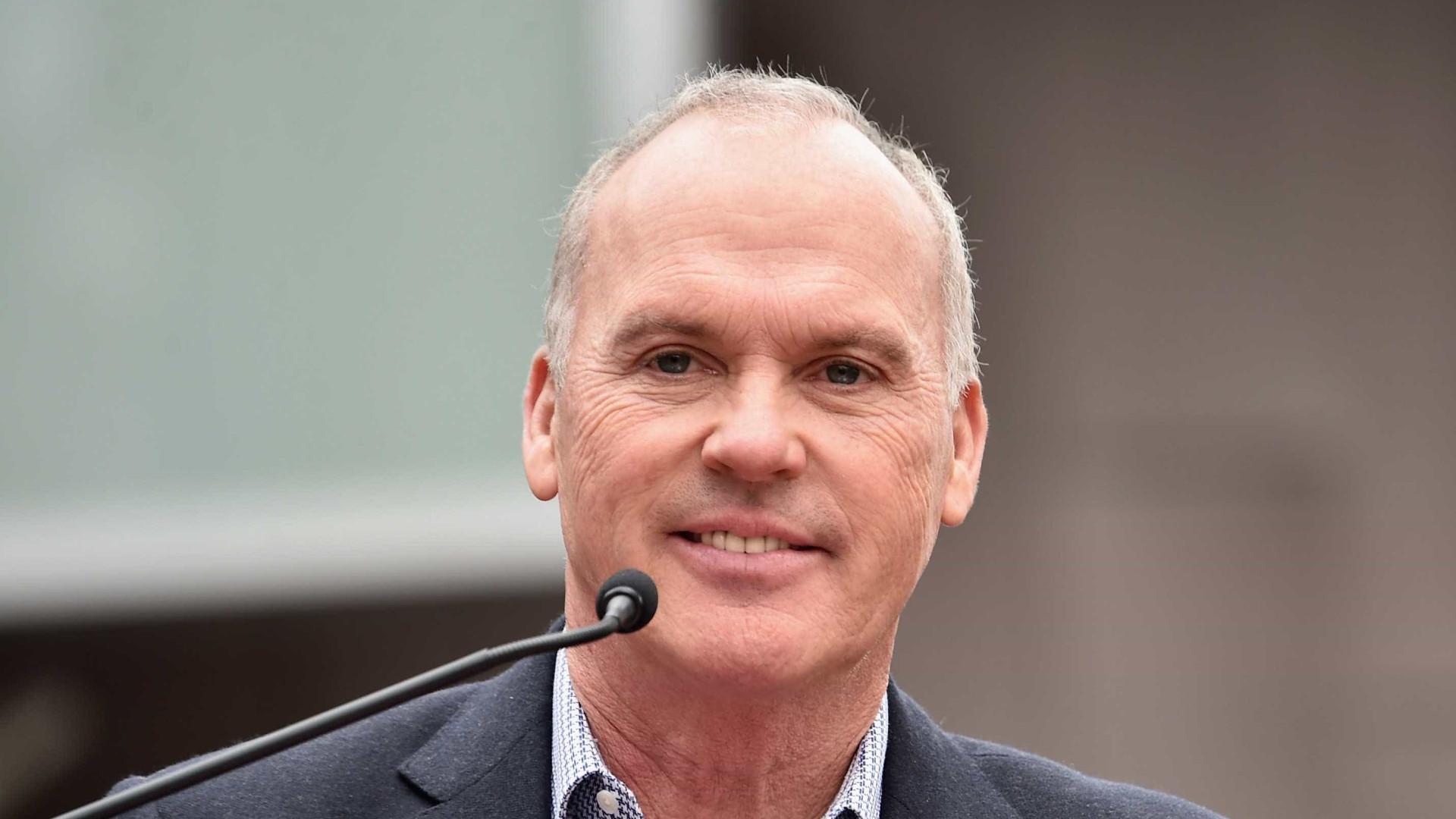 Mais de 30 anos depois, Michael Keaton volta a ser Batman no cinema