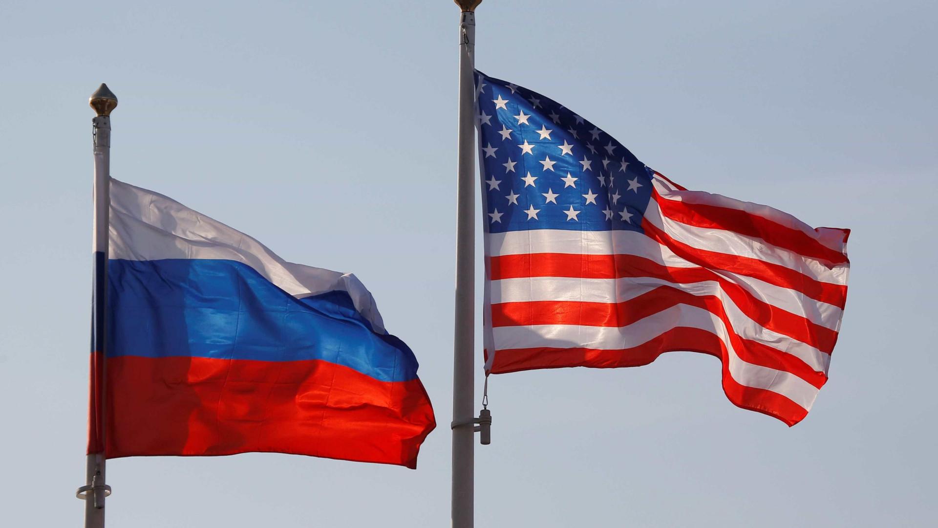 """Biden e Putin acordam manter comunicação """"pessoal e direta"""" entre ambos"""