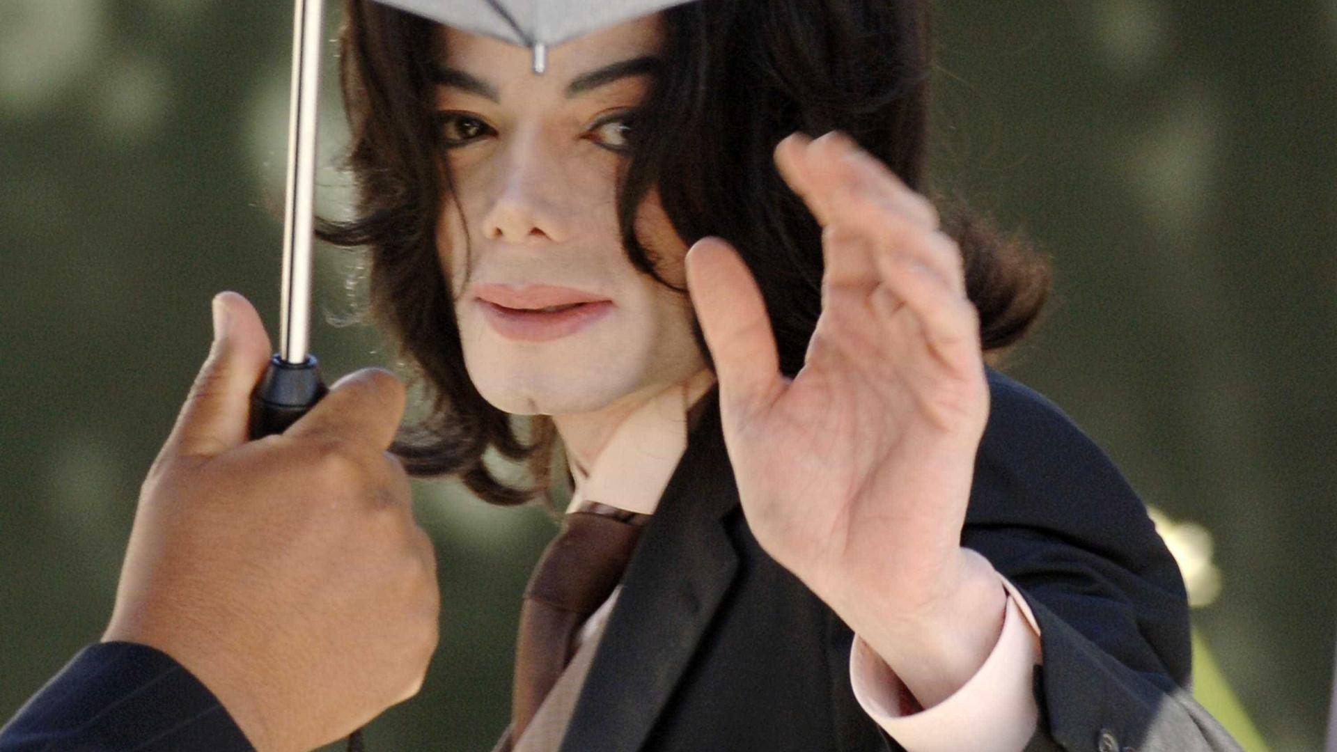 Divulgadas fotos únicas do quarto onde Michael Jackson morreu