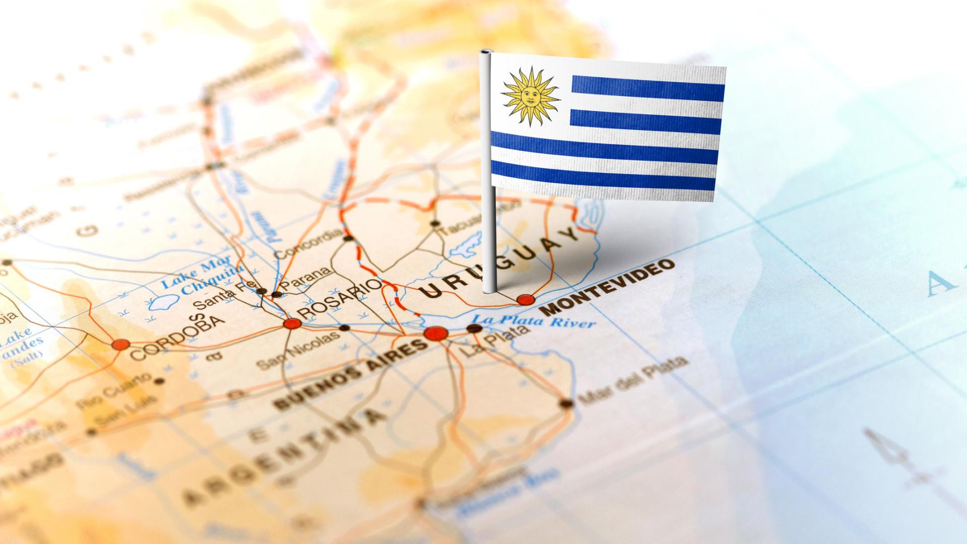 Uruguai fecha fronteiras e militariza limite com Brasil e Argentina