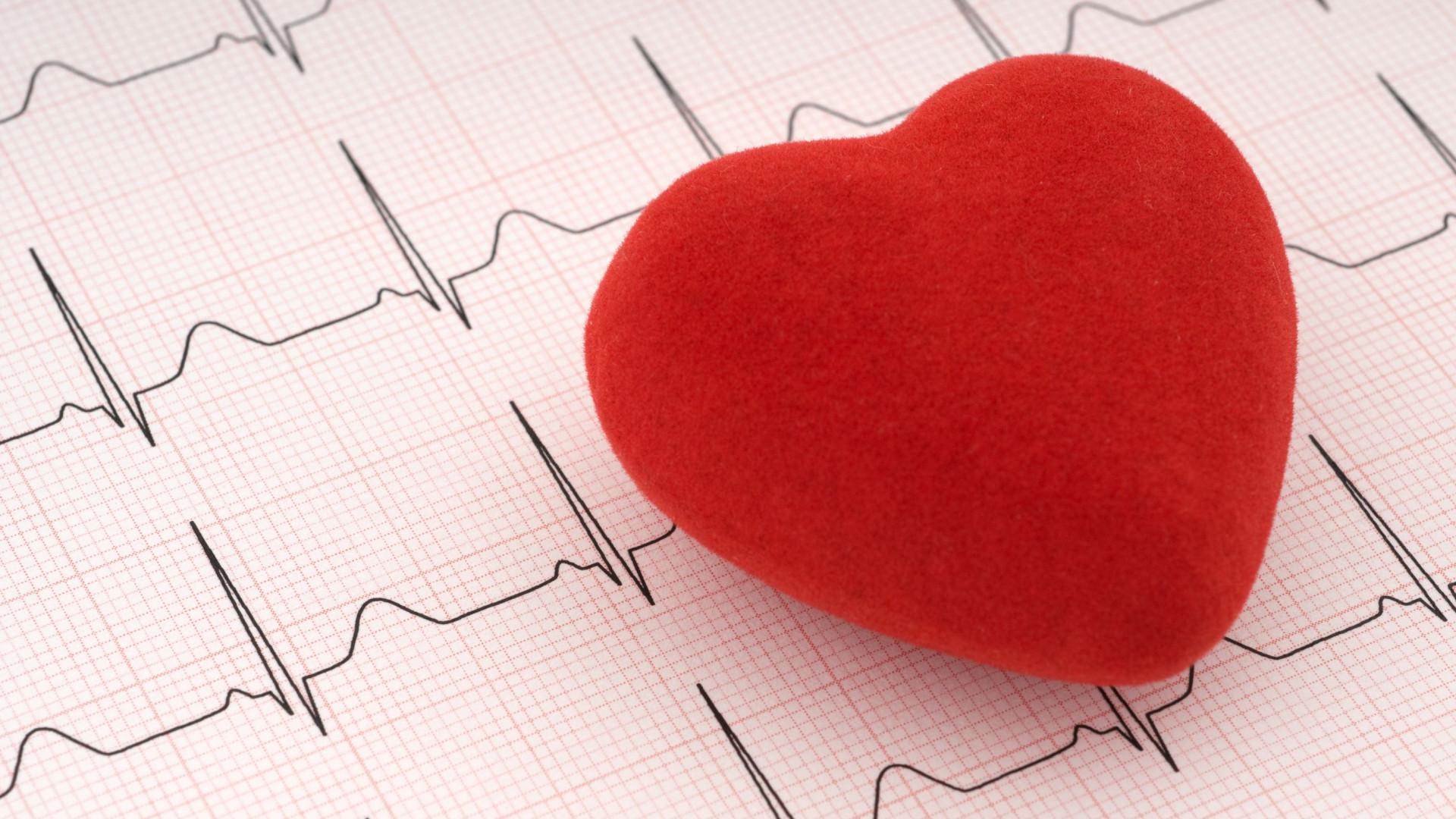 causas colesterol alto sintomas