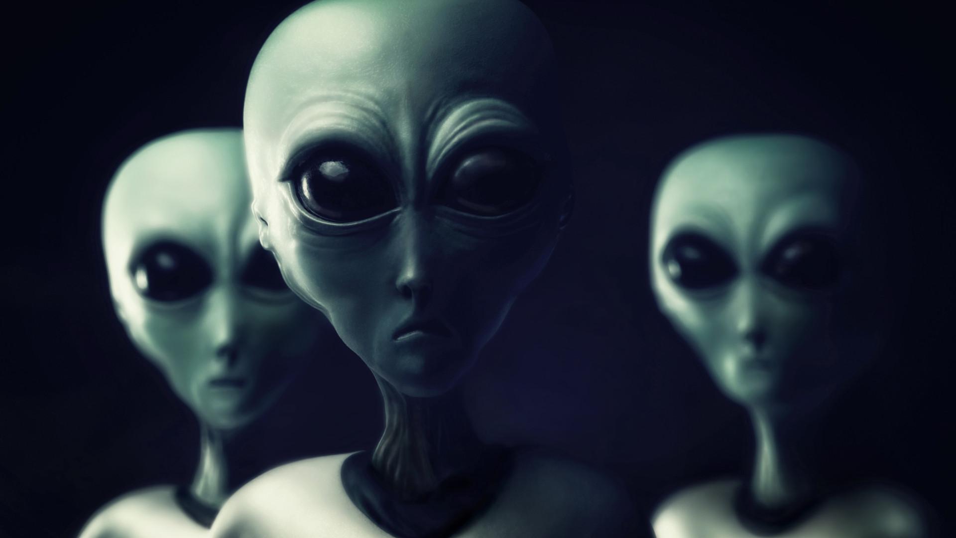 Aliens estão a procriar com humanos para salvar a Terra, diz ...