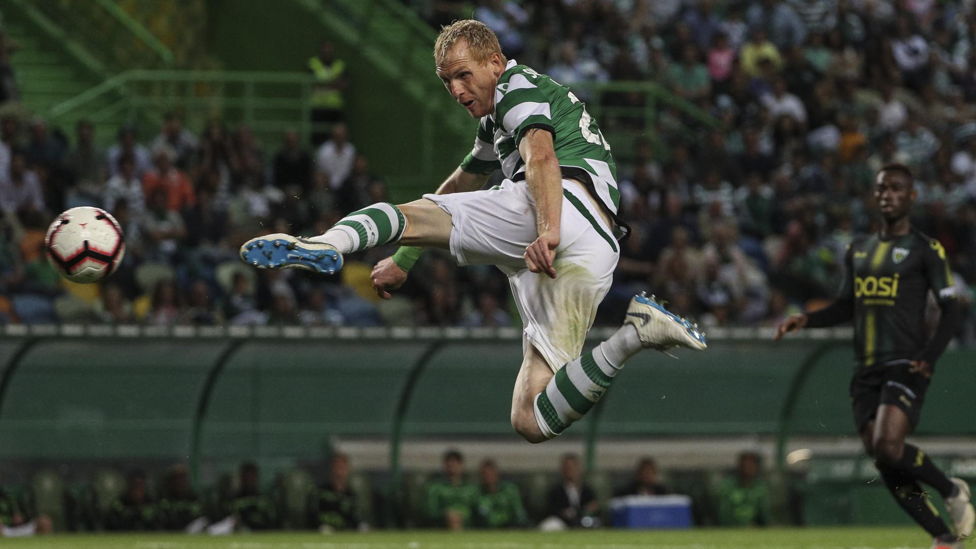 Oficial: Mathieu renova contrato com o Sporting