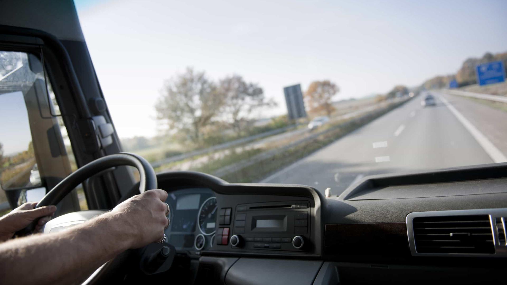 Motoristas de pesados vão ter este mês atualização salarial de 4,7%