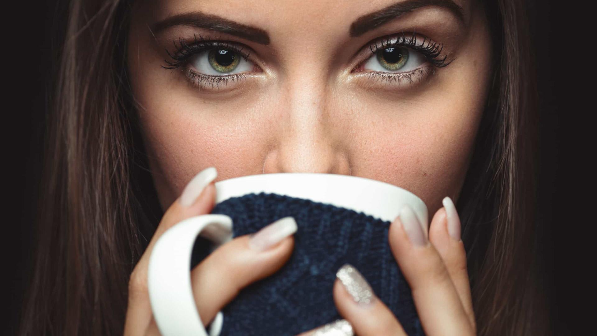 Sente-se desidratado depois de beber chá? Há uma razão