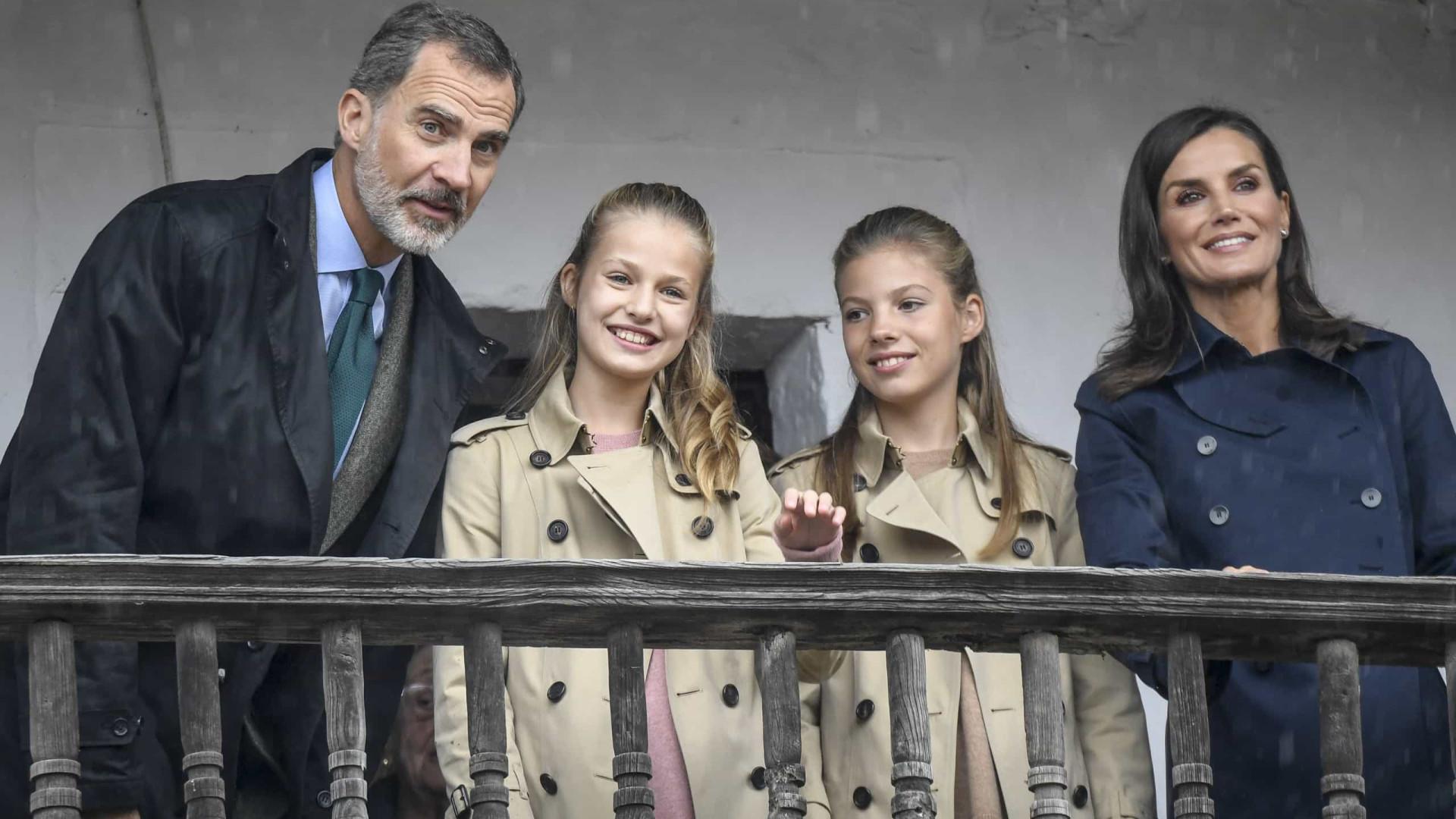 Princesa Leonor e Sofía voltam a combinar visuais para evento oficial