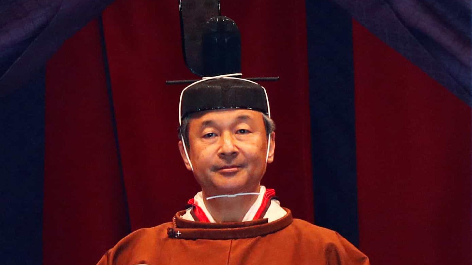 A entronização do novo imperador do Japão deu direito a perdão de multas