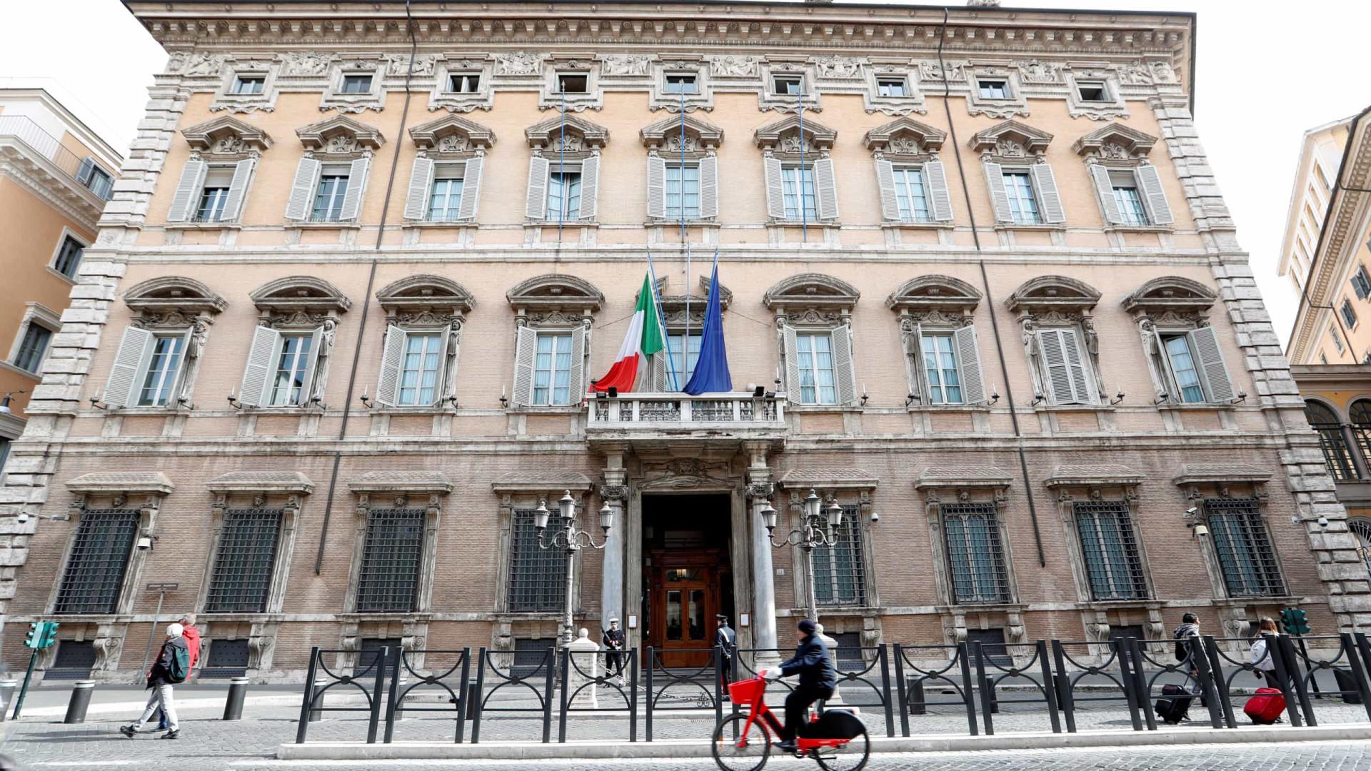 Covid-19: Itália com mais 50 desde ontem. Maioria na região de ...