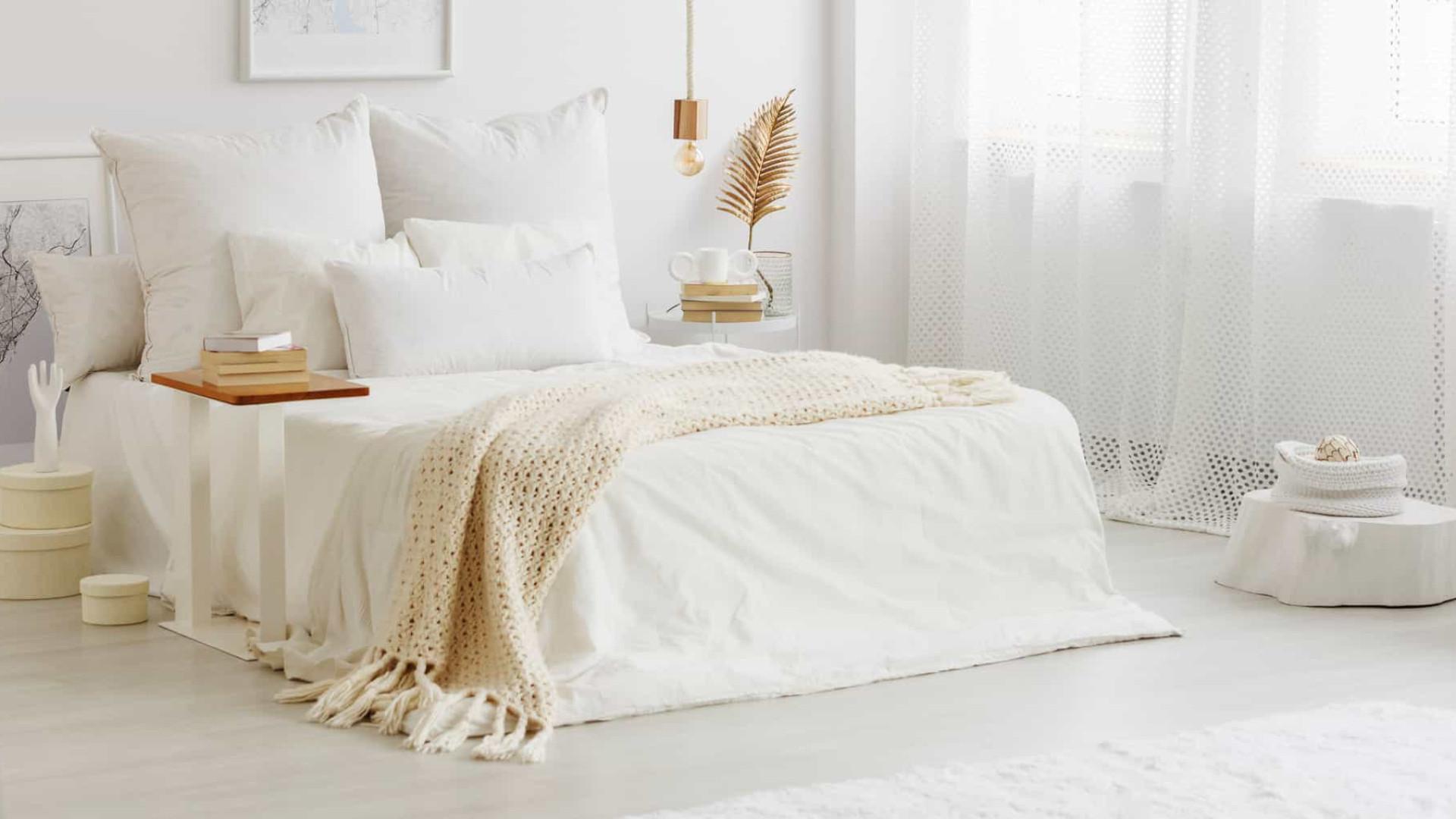 Conheça as dicas de especialistas para decorar o quarto sem gastar muito
