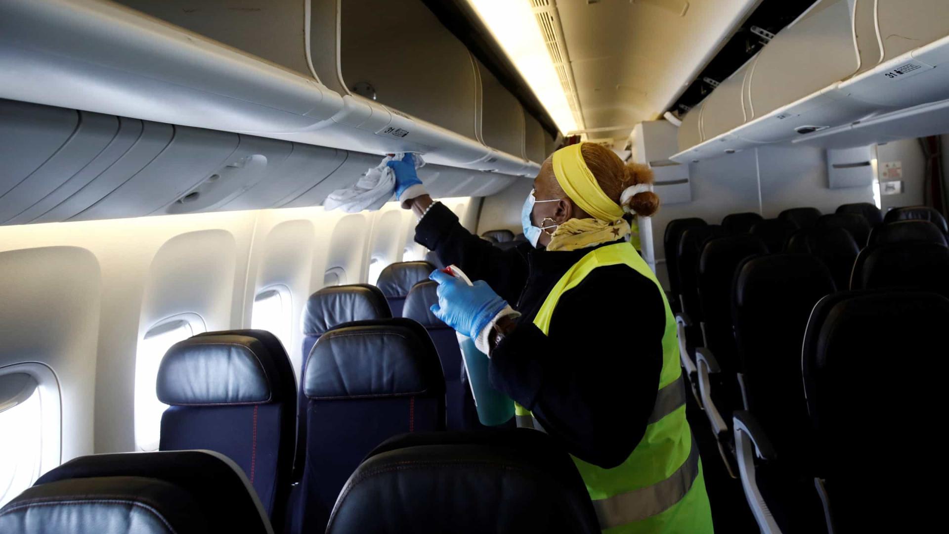 Boeing e Airbus investigam formas de evitar contágio em cabinas