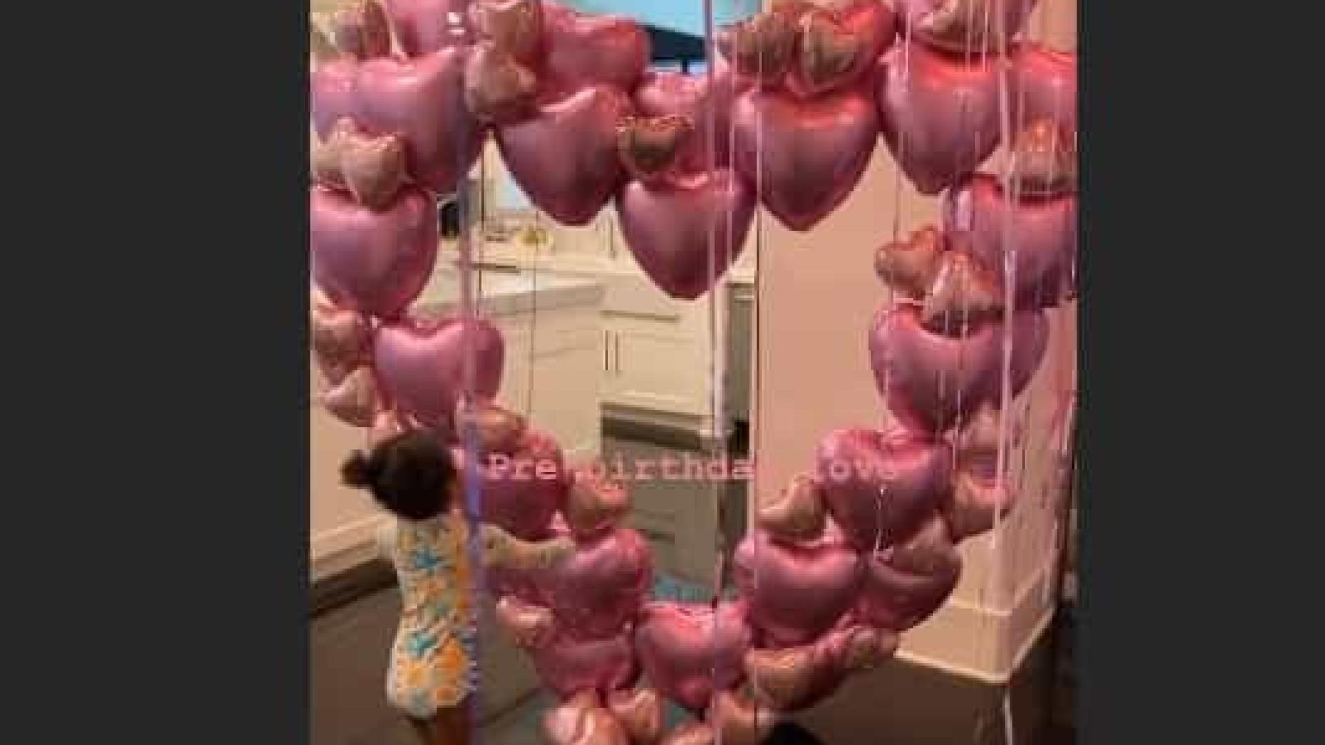 Vídeo. A festa de aniversário de conto de fadas de Khloé Kardashian
