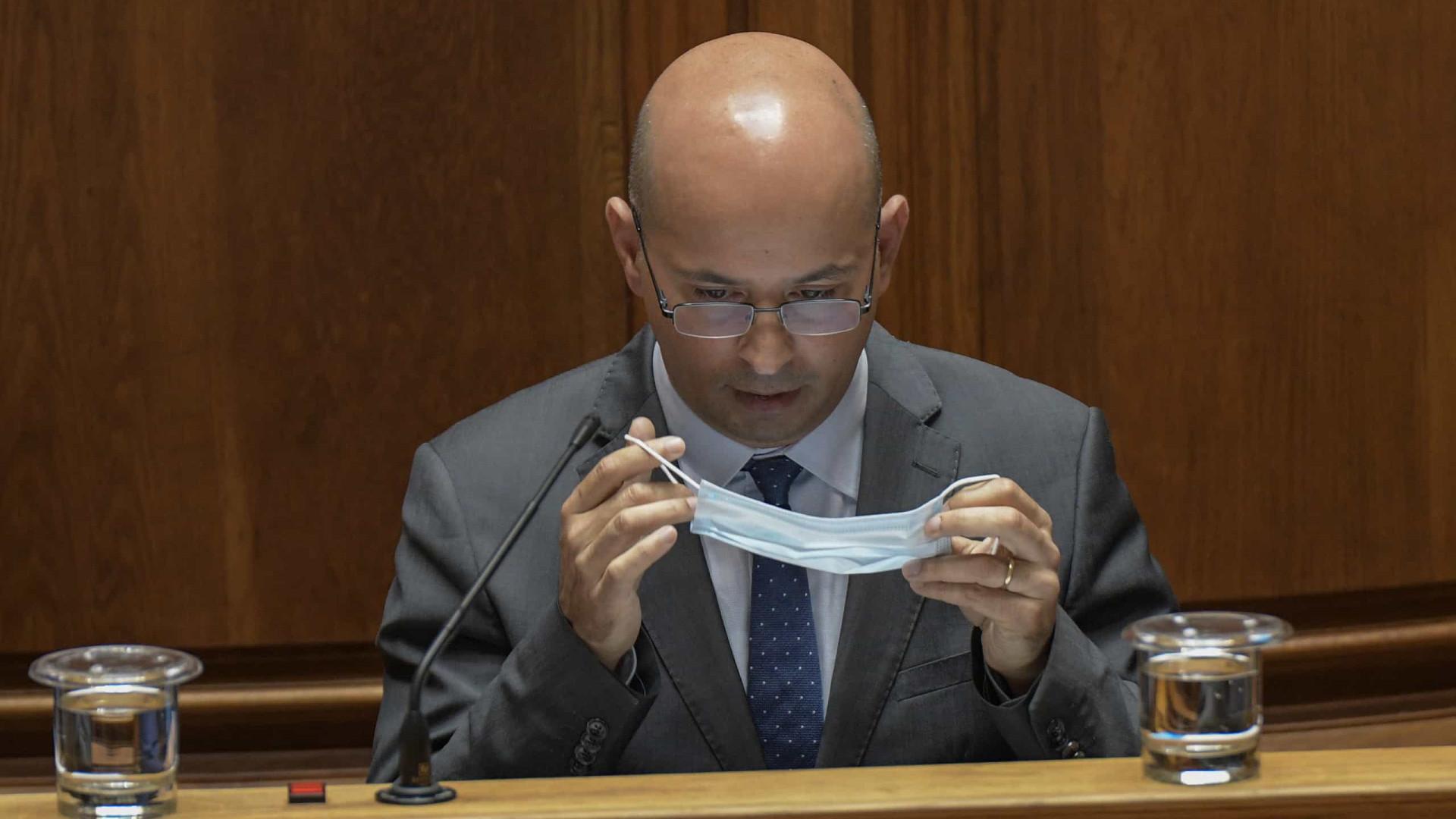 Governo entrega hoje Programa de Estabilidade no Parlamento