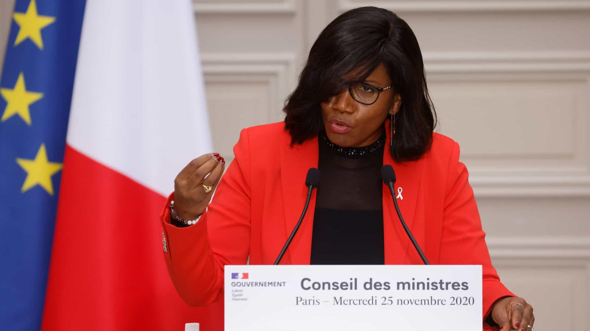 """Ministra francesa mantém """"laços extremamente profundos"""" com Cabo Verde"""