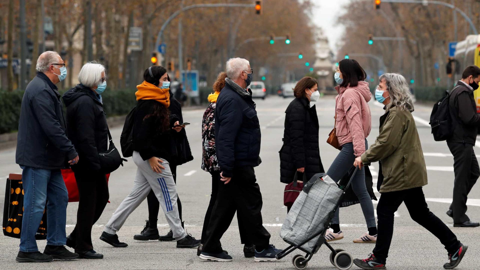 Espanha regista 84 mil novas infeções e 455 óbitos desde sexta-feira