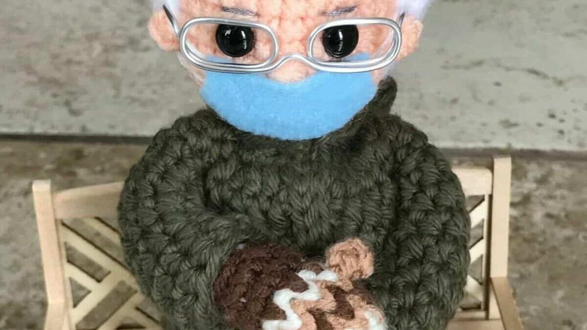 Imagem de Bernie Sanders que se tornou viral agora em formato boneco