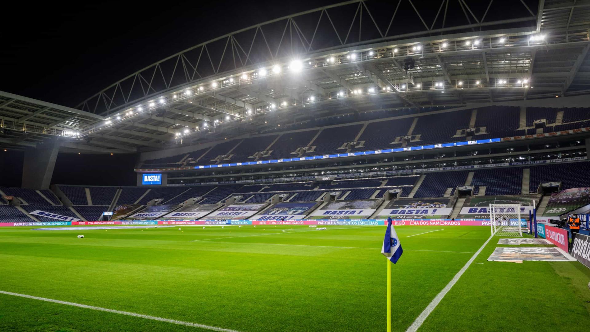Champions: UEFA e Reino Unido não chegam a acordo. Dragão é hipótese