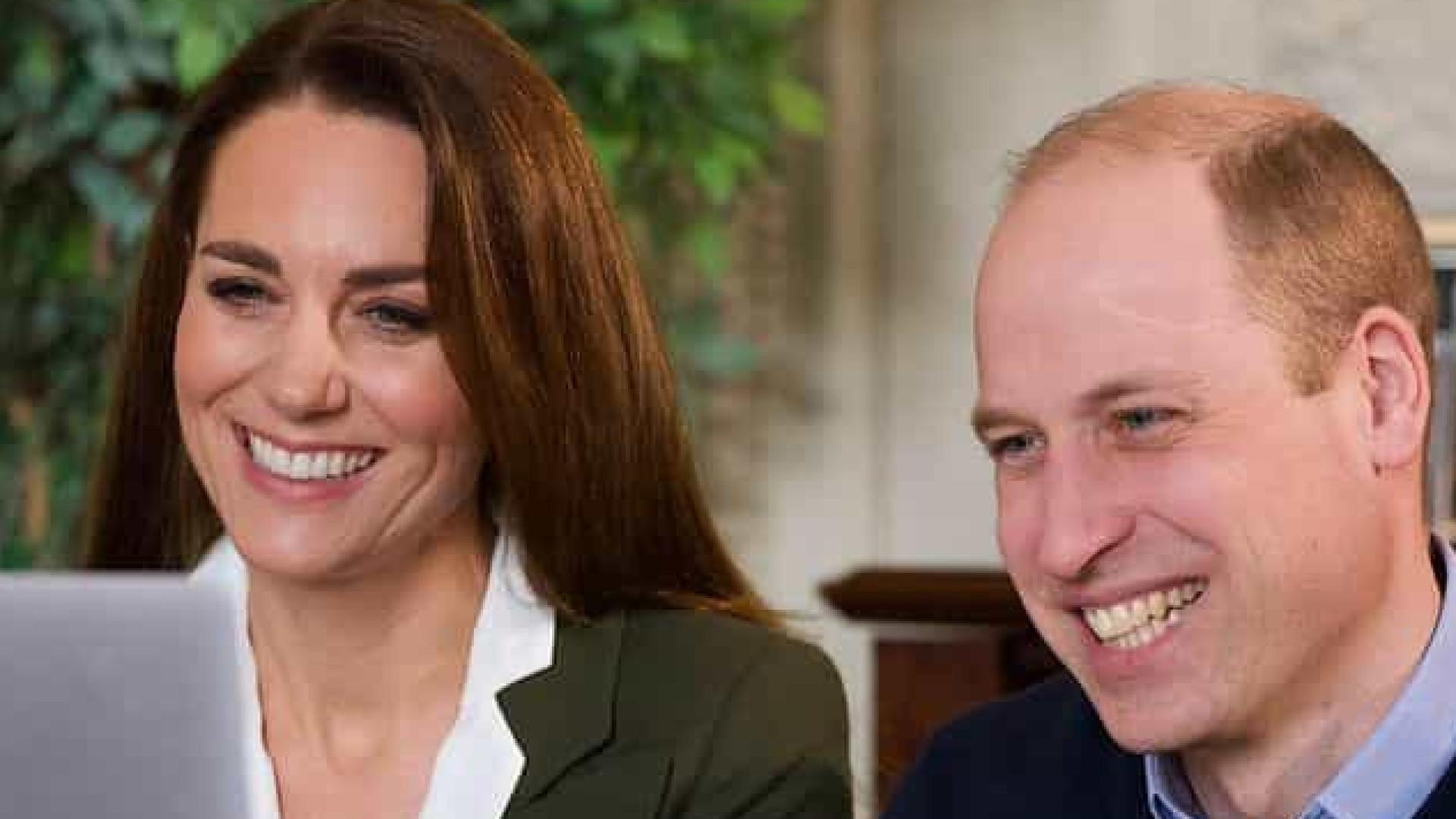 Kate Middleton e William conversam com doentes de alto risco sobre vacina