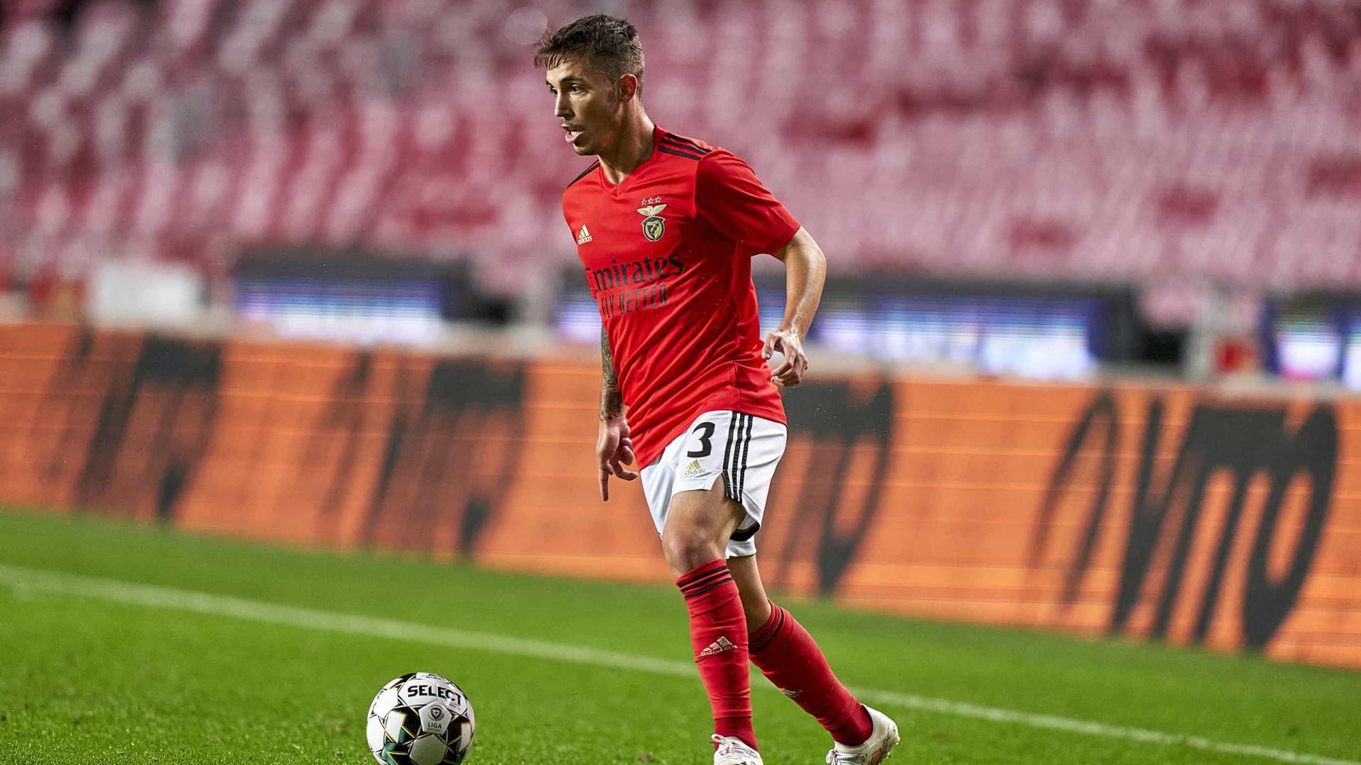 Espanhóis garantem que Lazio está a negociar contratação de Grimaldo