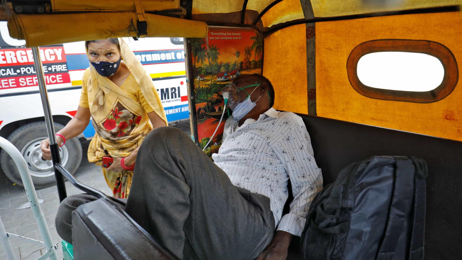 Com recorde de infetados, stock de oxigénio começa a falhar na Índia