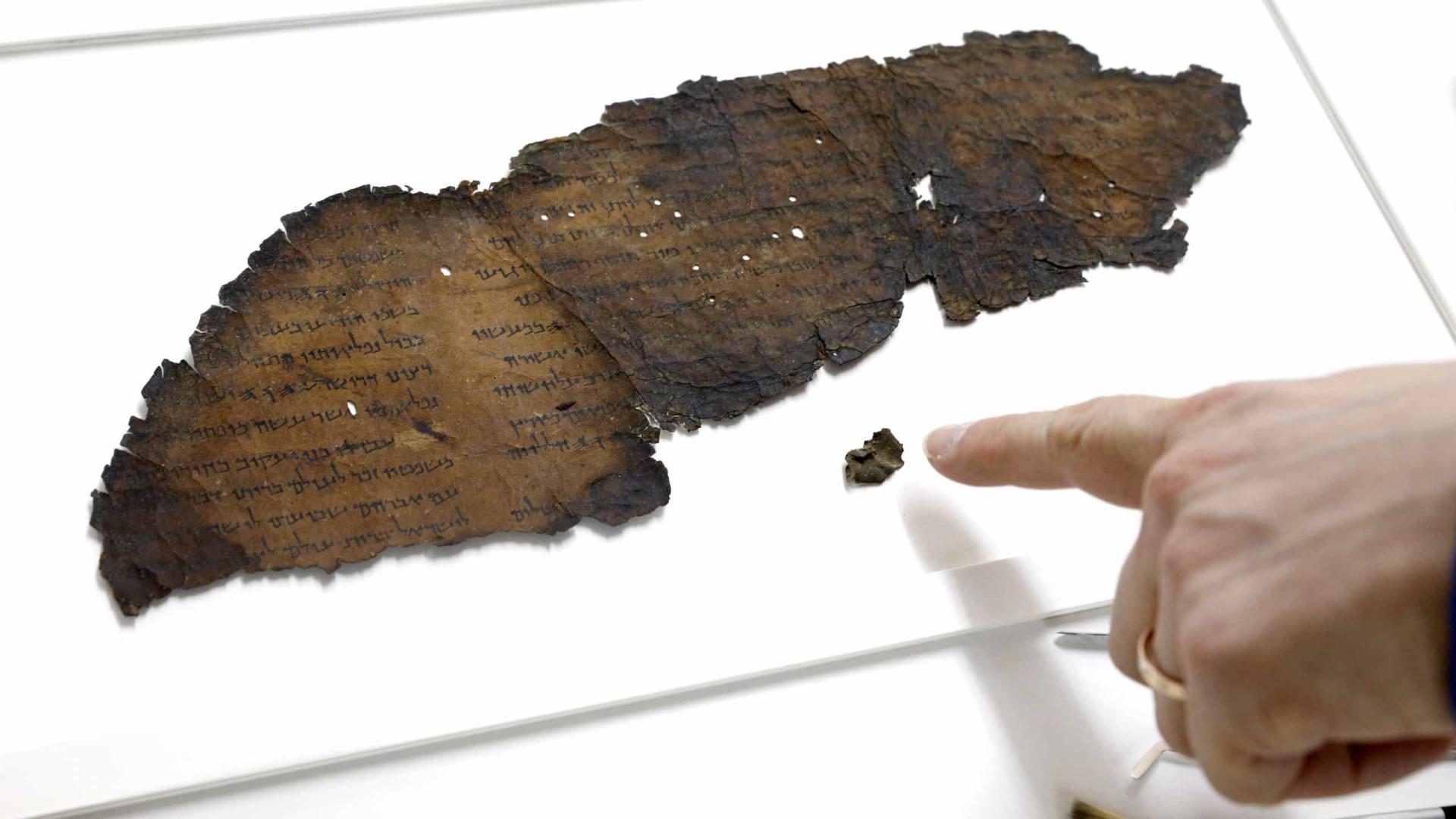 Manuscritos do Mar Morto foram feitos por escribas, mostra nova análise
