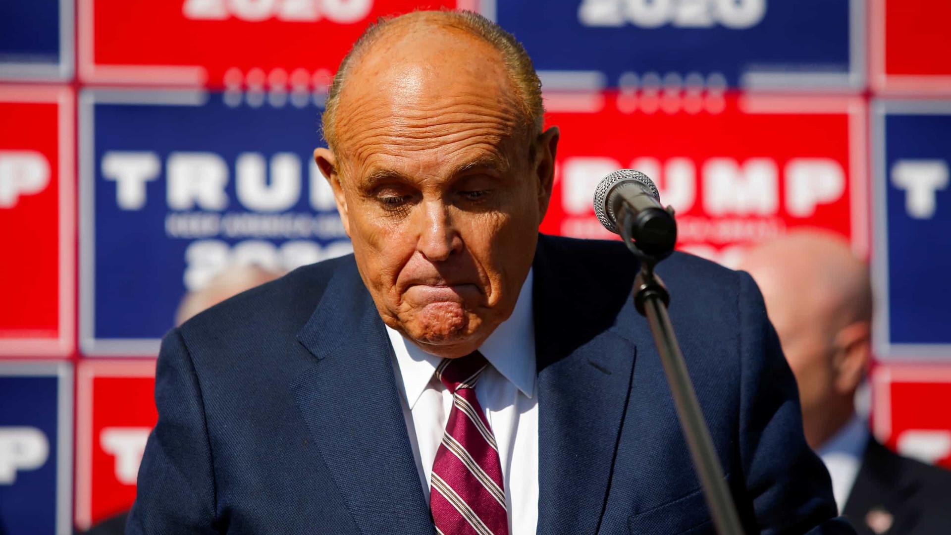 """Giuliani diz que não """"cometeu nenhum crime"""" quando trabalhava para Trump"""
