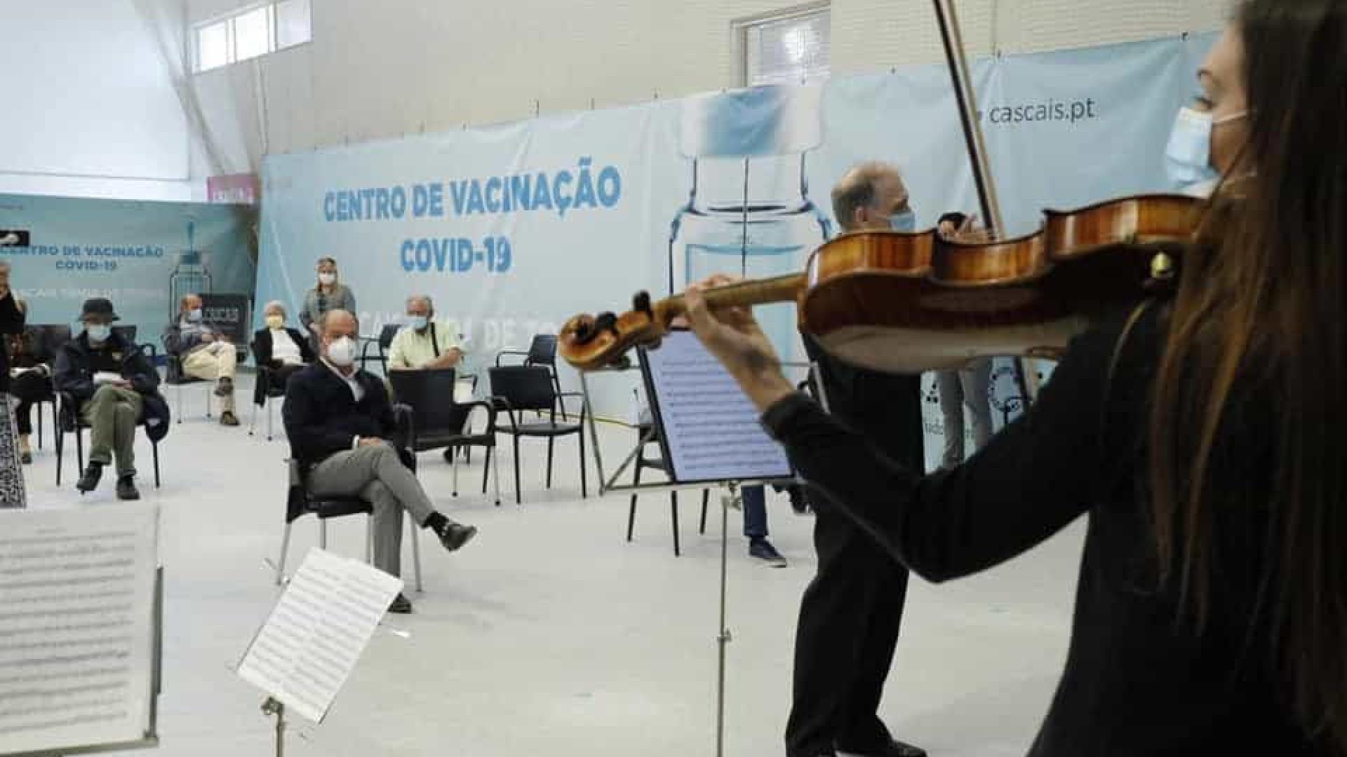 Cascais. Centro de vacinação recebe concerto surpresa de música clássica
