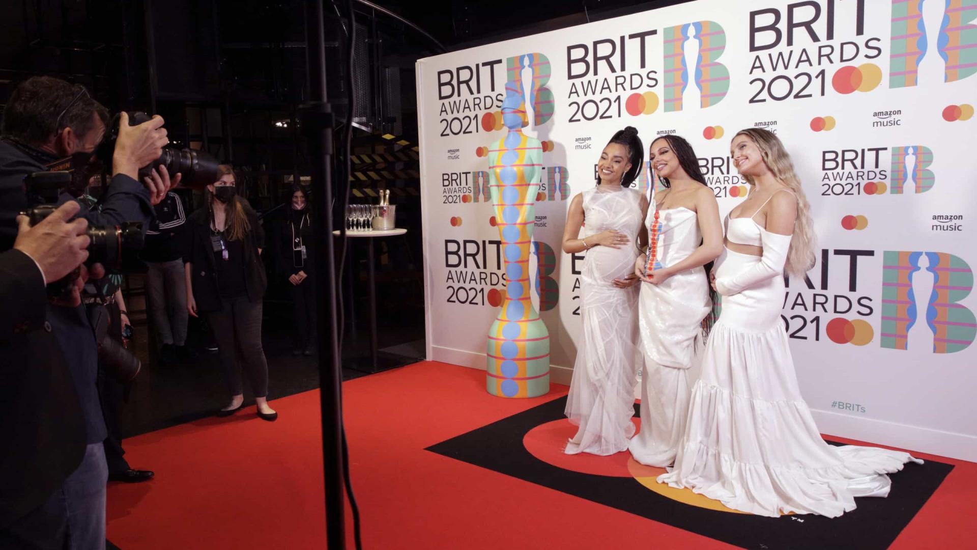 Look da Semana: Little Mix na red carpet com barriguinhas a dobrar