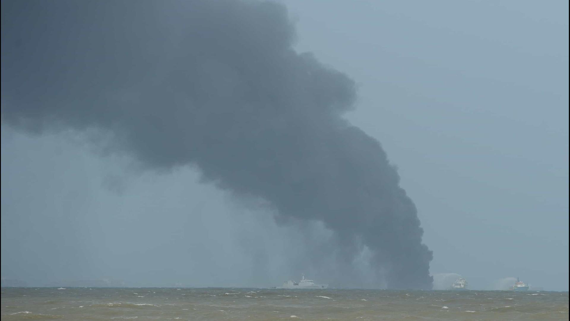 Bombeiros europeus ajudam Sri Lanka a combater fogo que lavra há 7 dias