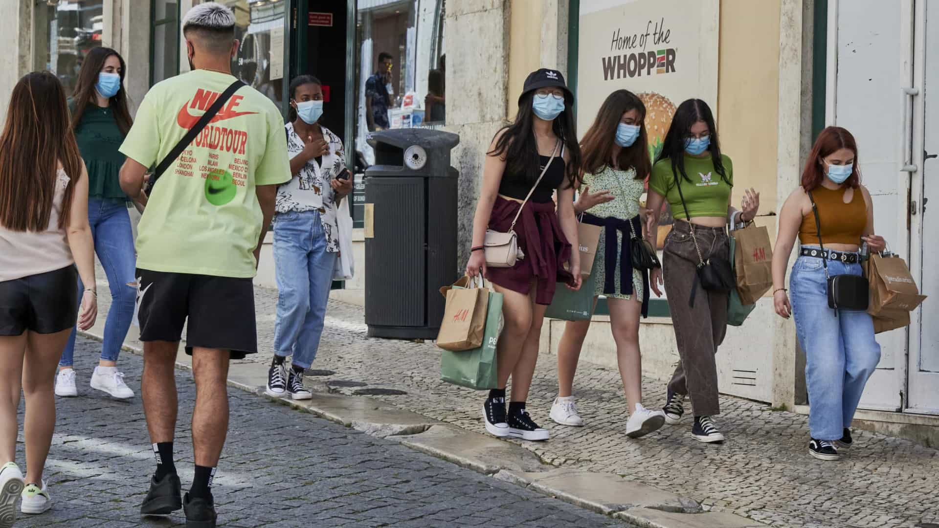 Portugal regista mais seis mortos e 1.350 novos casos de Covid-19