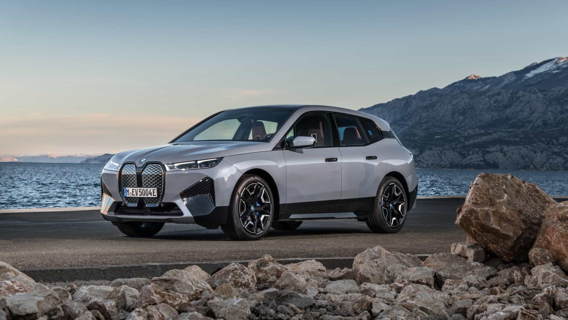 Primeiro SUV elétrico da BMW chega no final do ano