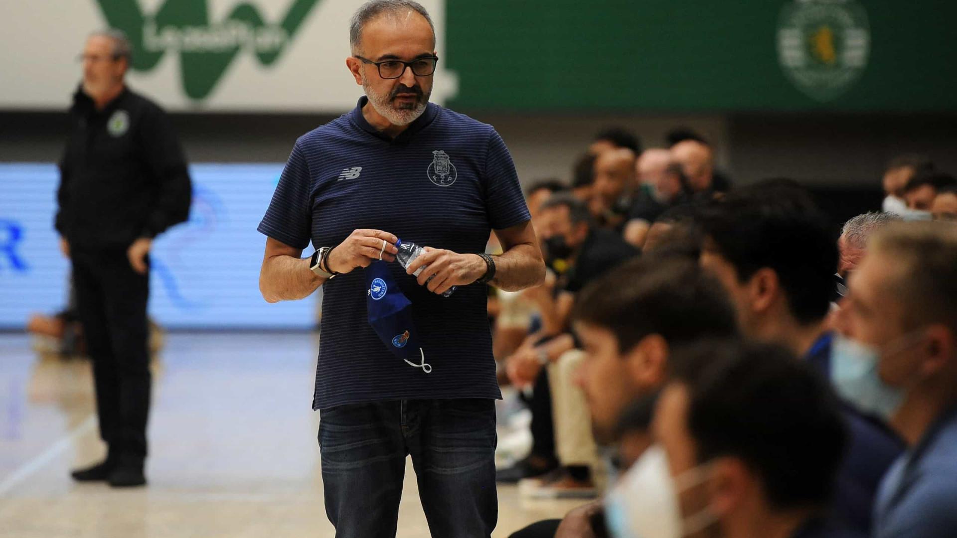 Basquetebol: FC Porto recusa jogar contra a Ovarense por causa de árbitro