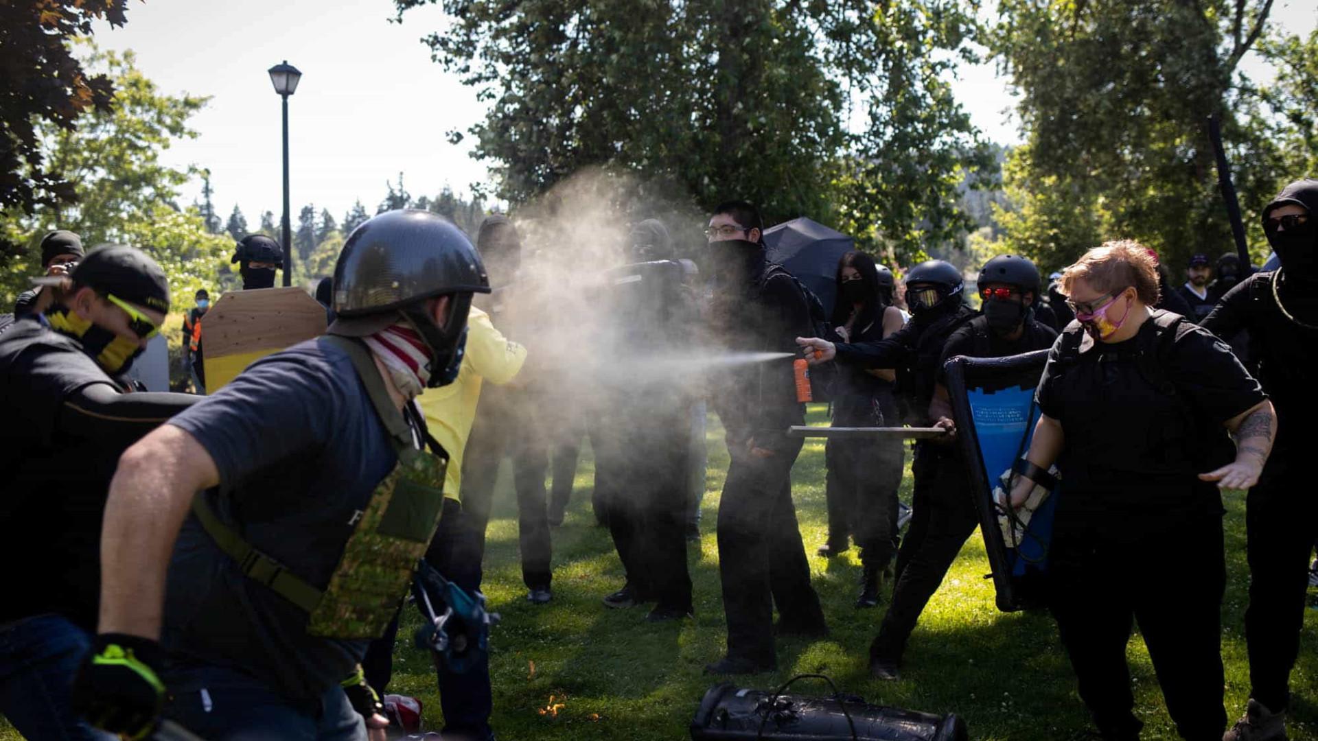 Proud Boys e Antifa envolvidos em confrontos em Oregon City