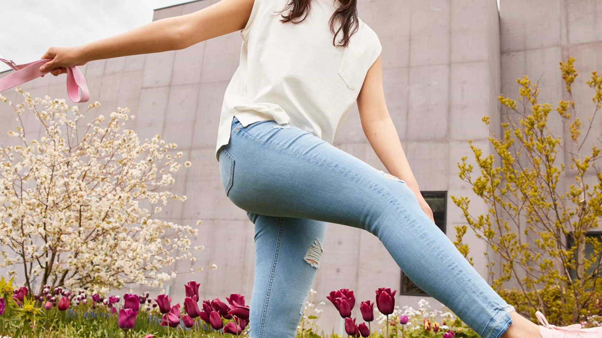 Os skinny jeans estão de volta, mas com um toque mais sustentável