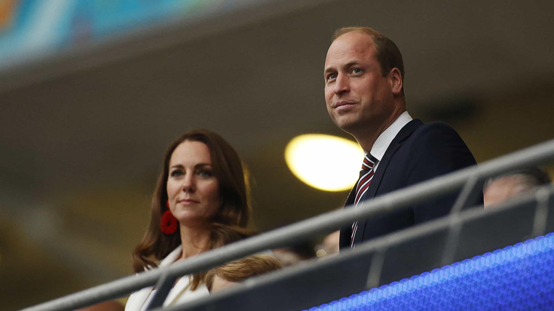 """Kate Middleton e príncipe William """"chocados"""" com homicídio de deputado"""